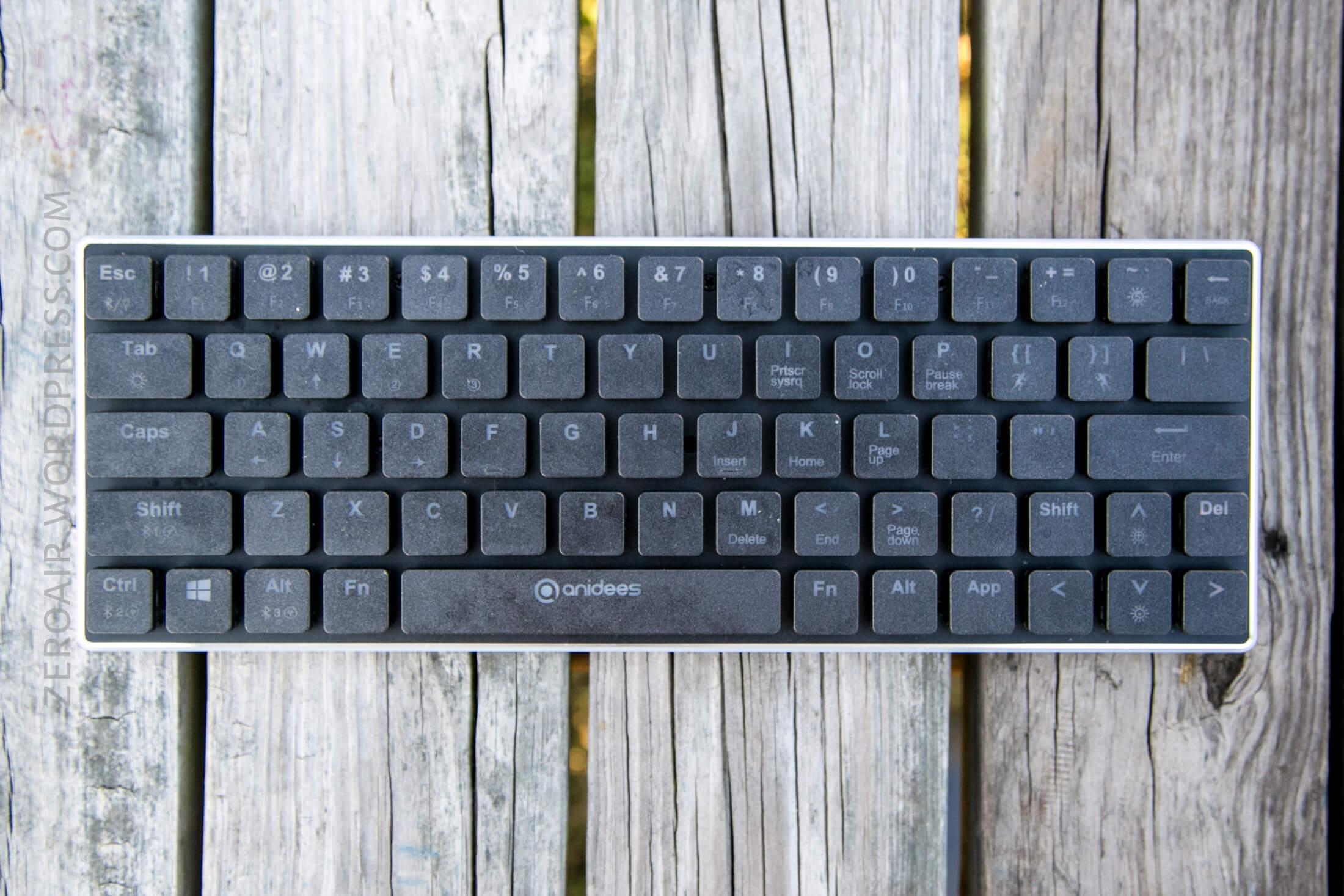 05_zeroair_reviews_anidees_prismatic_mechanical_keyboard