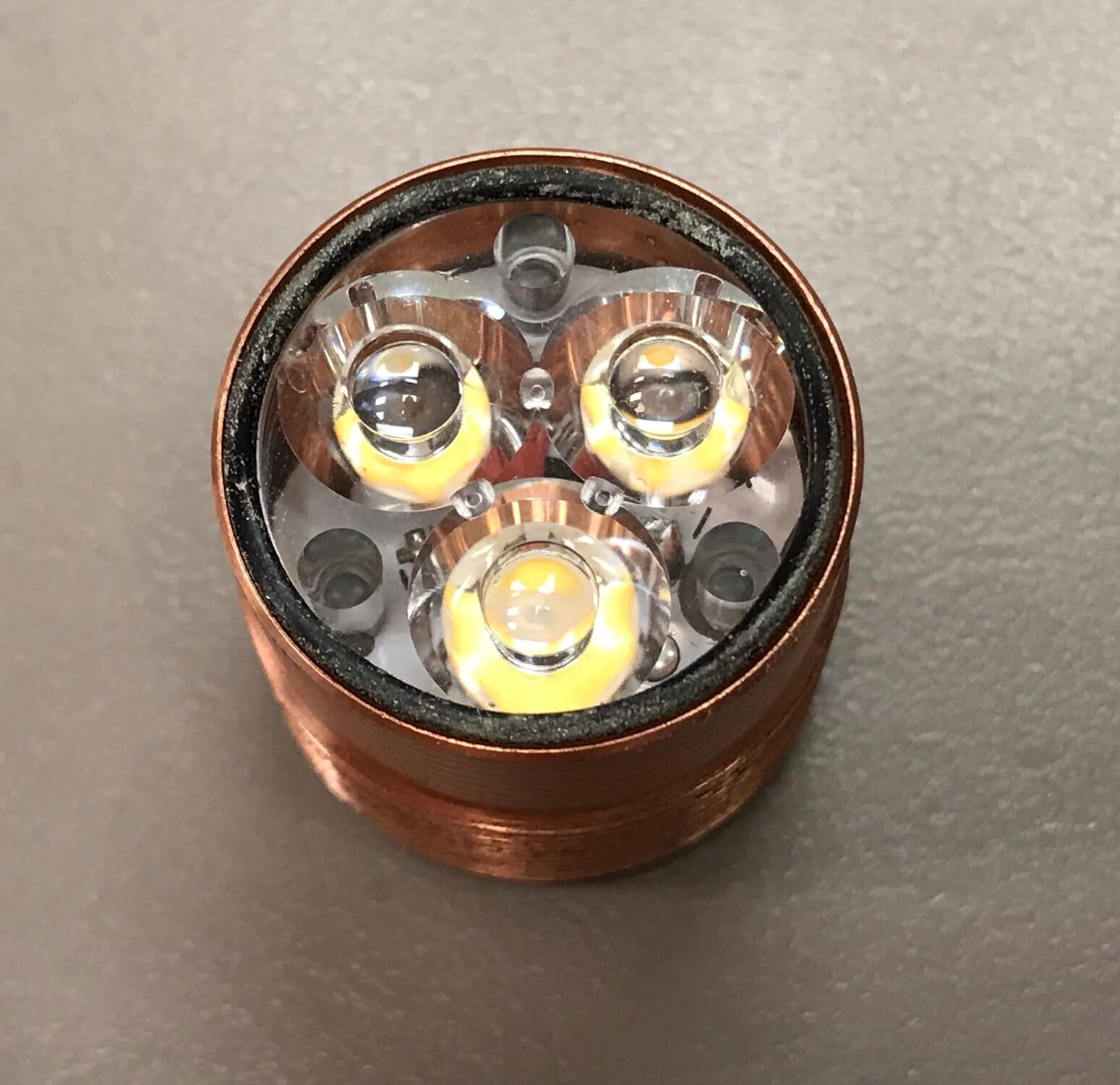zeroair_reviews_venom_orion_brass_nichia_77.jpg