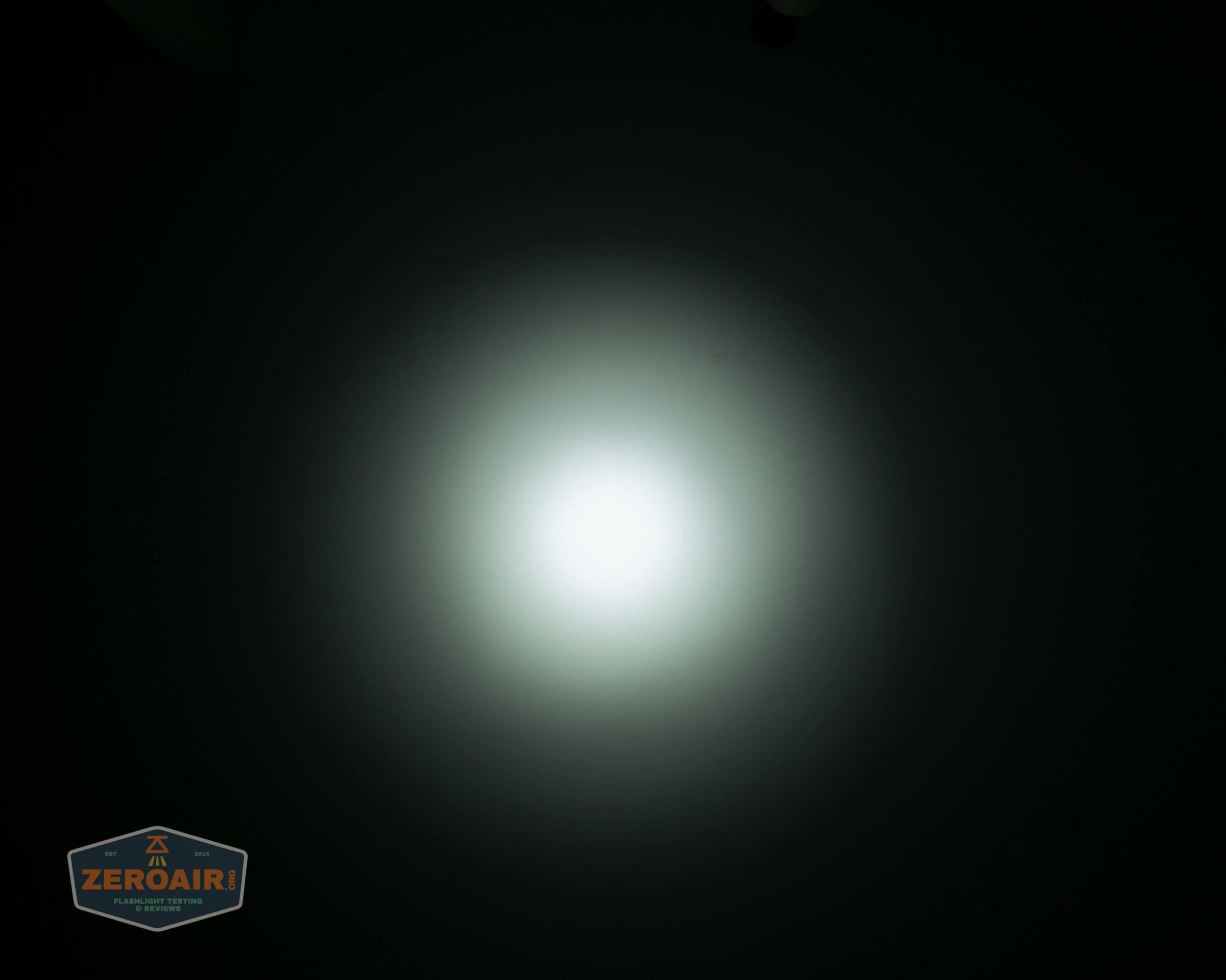 fireflylite e01 luminus sst-40 21700 beamshot ceiling 4