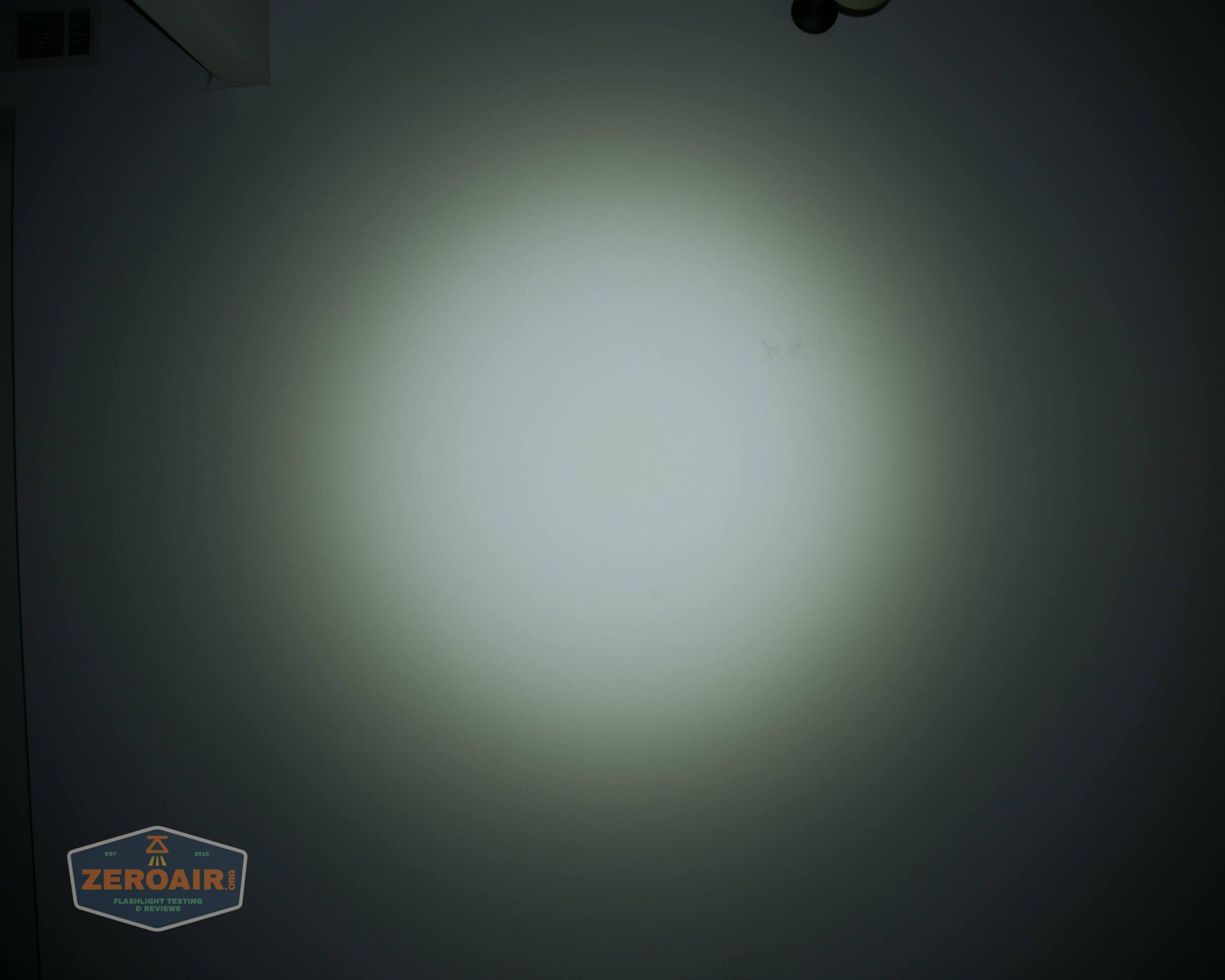 klarus g25 21700 cree xhp70.2 flashlight beamshot ceiling