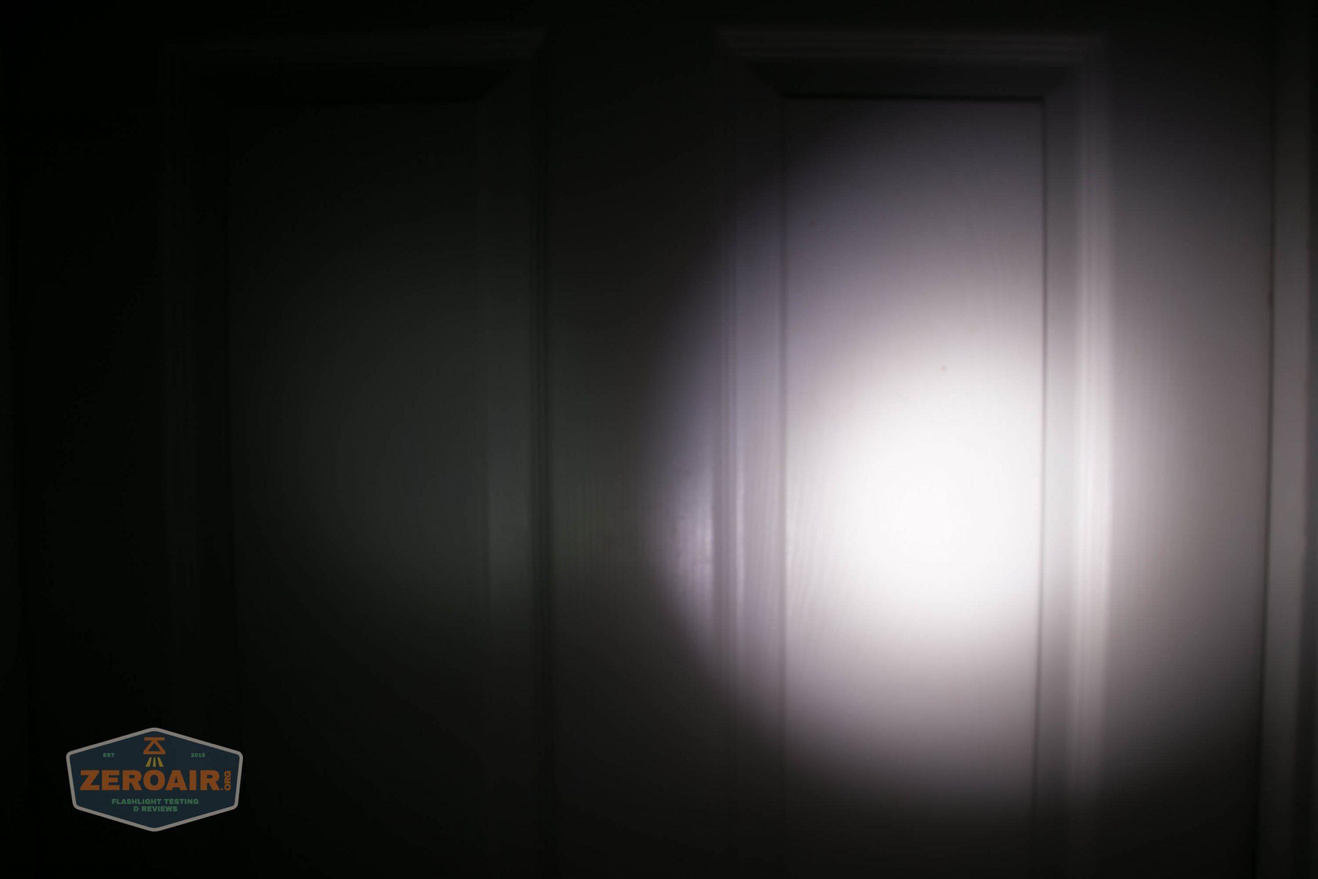 klarus g25 21700 cree xhp70.2 flashlight beamshot door lowest