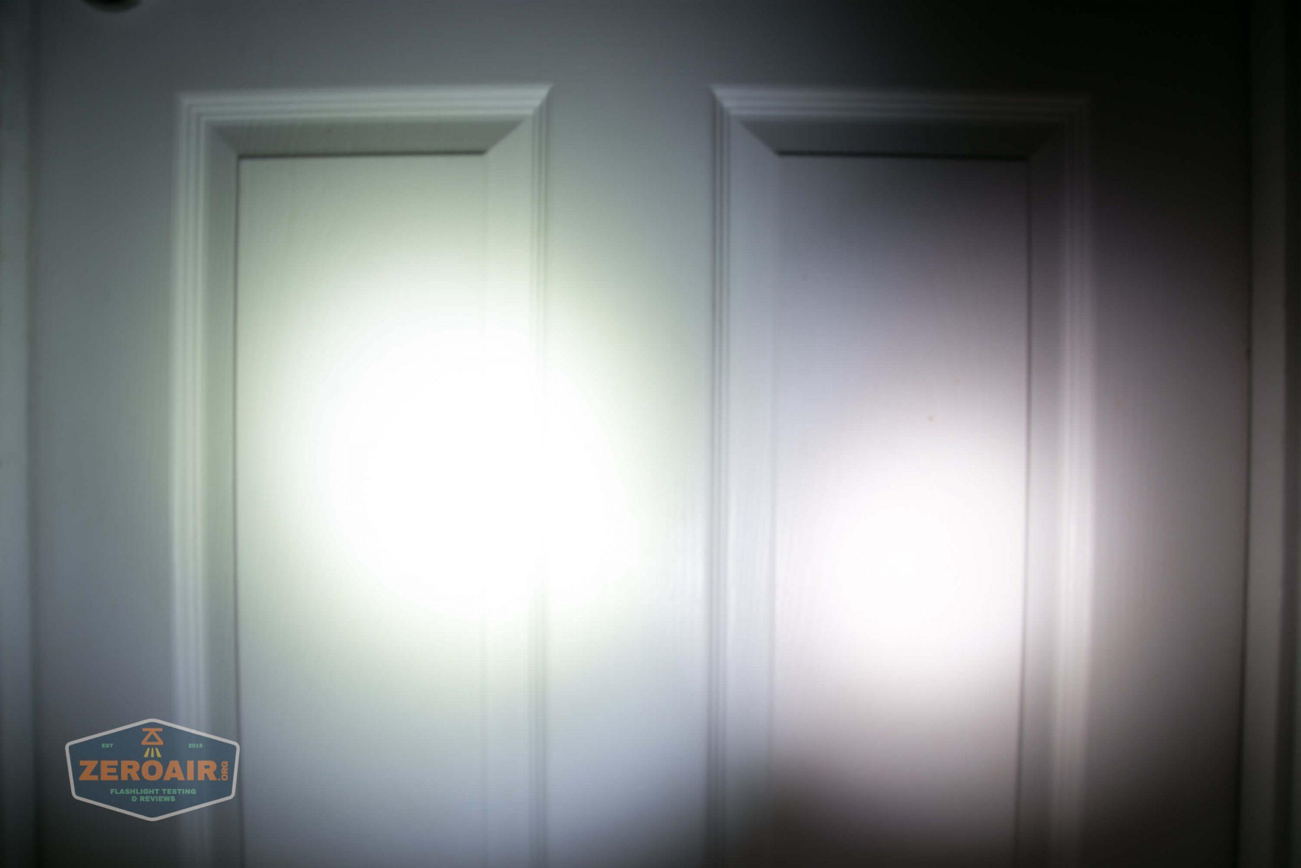 klarus g25 21700 cree xhp70.2 flashlight beamshot door