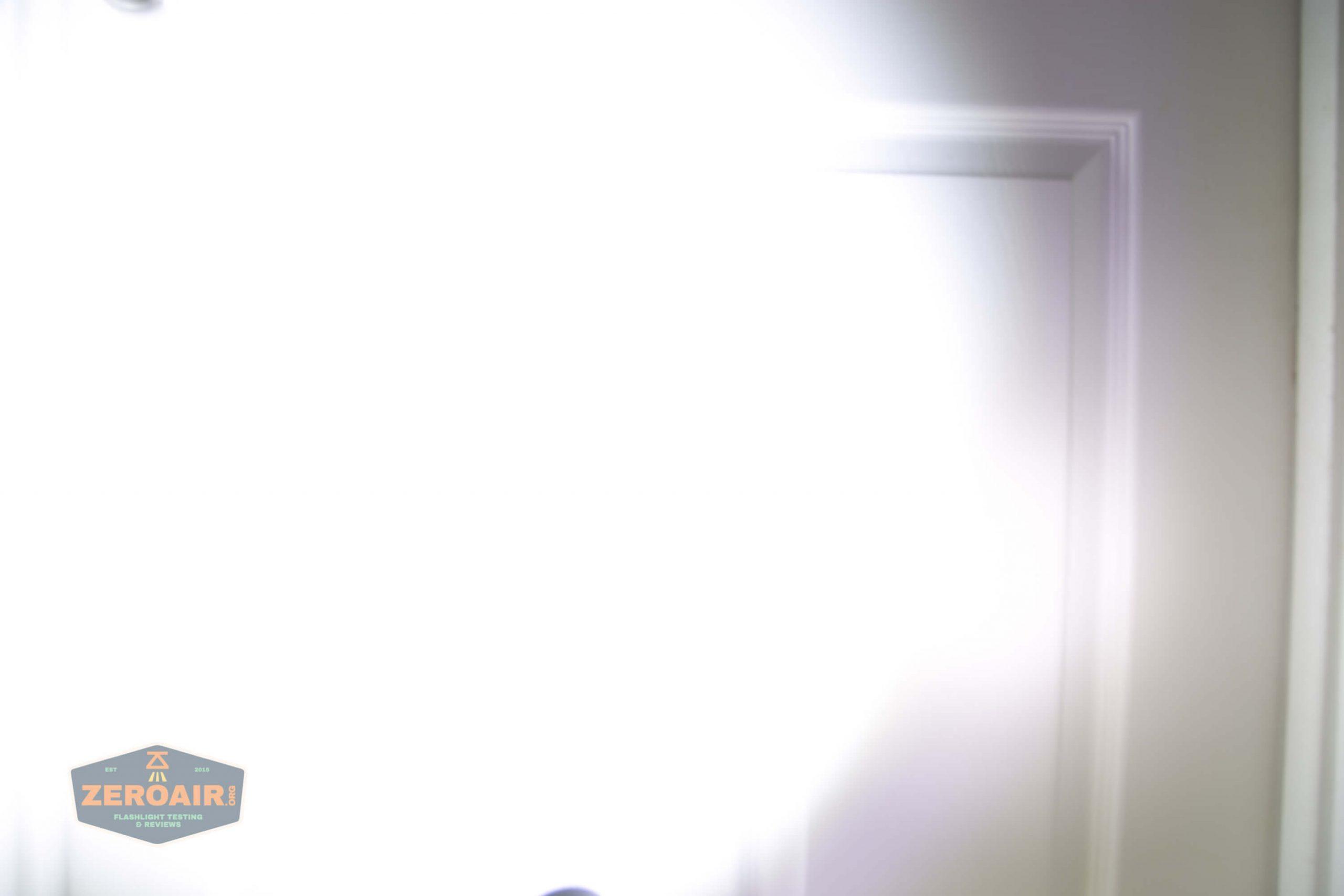 klarus g25 21700 cree xhp70.2 flashlight beamshot door turbo
