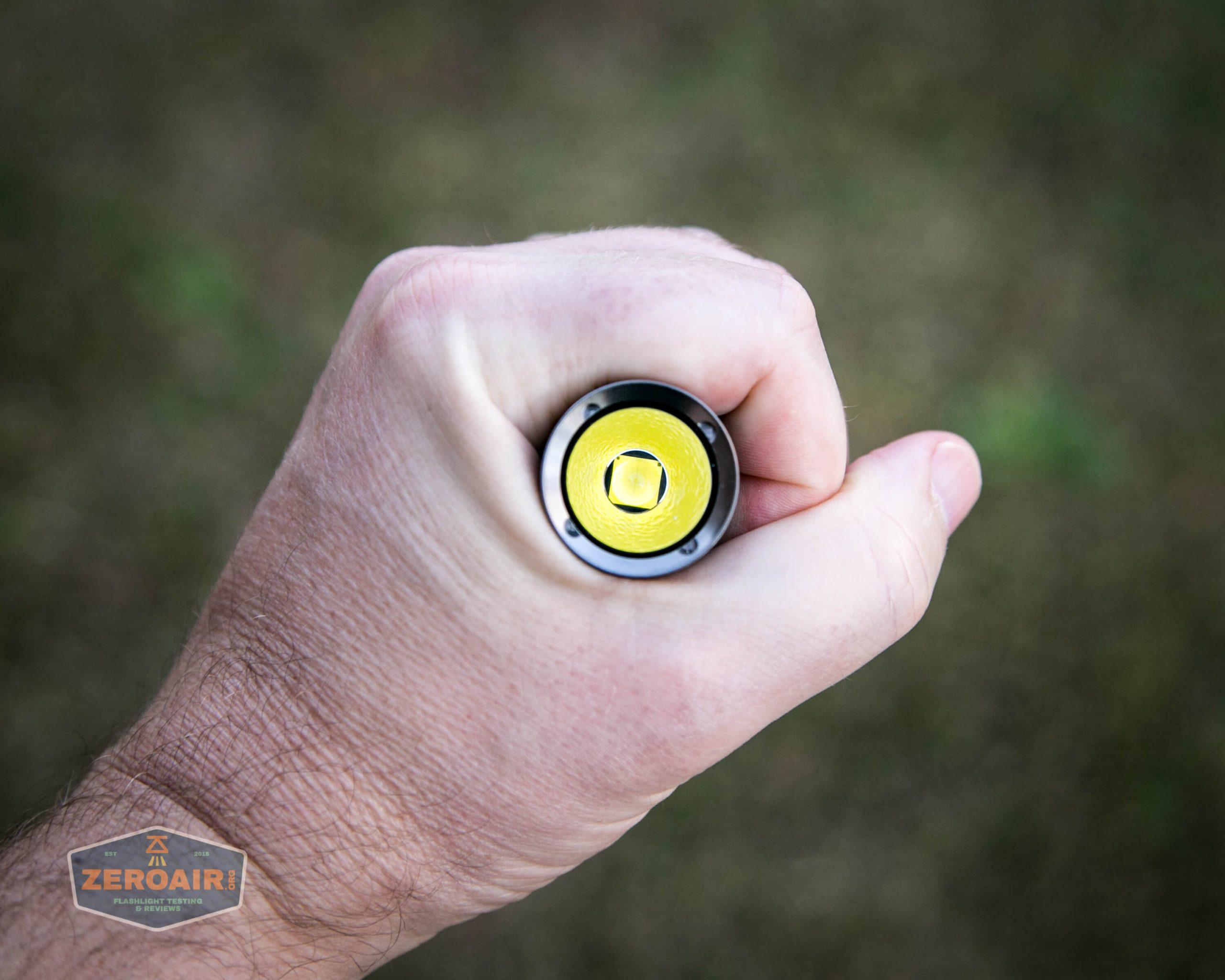 klarus g25 21700 cree xhp70.2 flashlight in hand