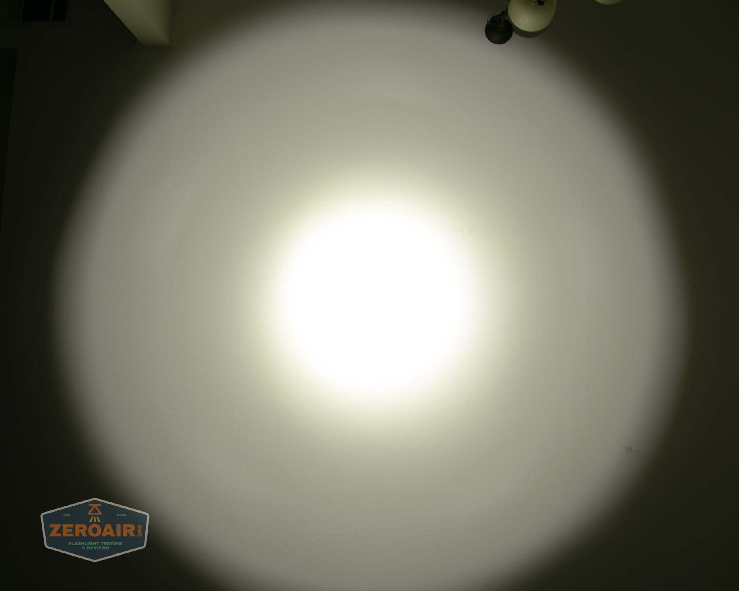 olight warrior x pro 21700 cree xhp35 hi beamshot ceiling turbo