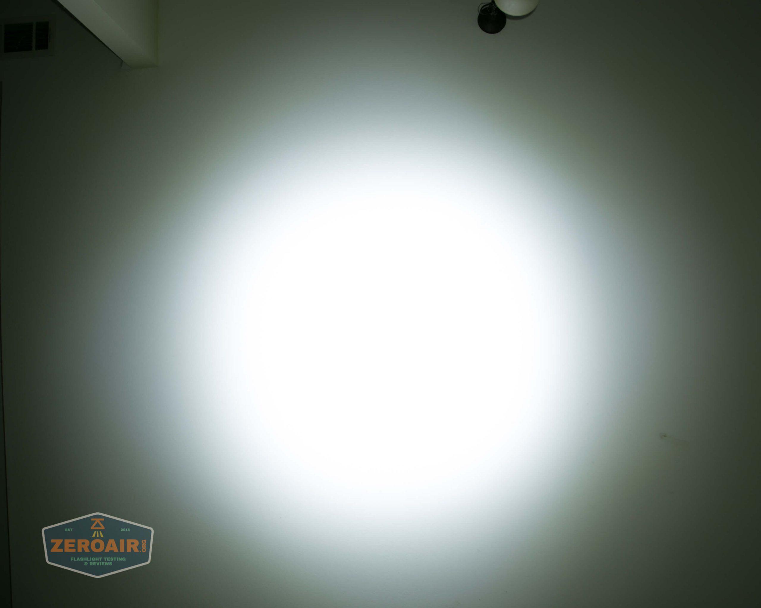 countycomm reylight 21700 quad emitter flashlight beamshot ceiling 4