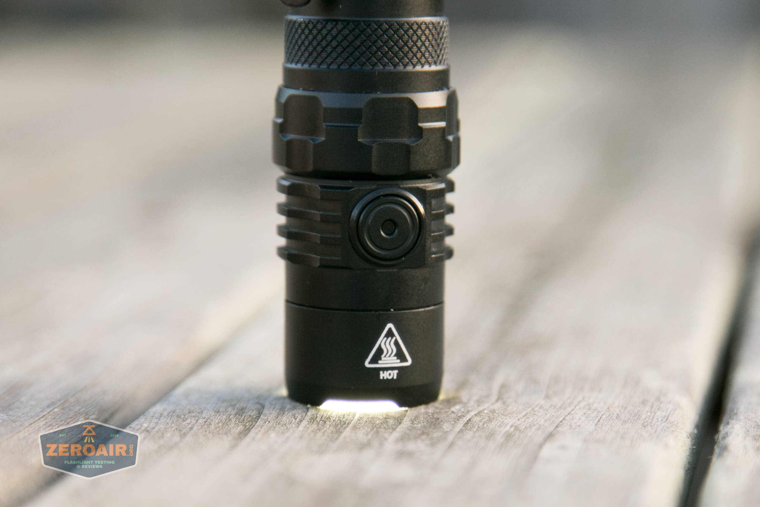 nitecore mh12s tactical flashlight bezel letting light out