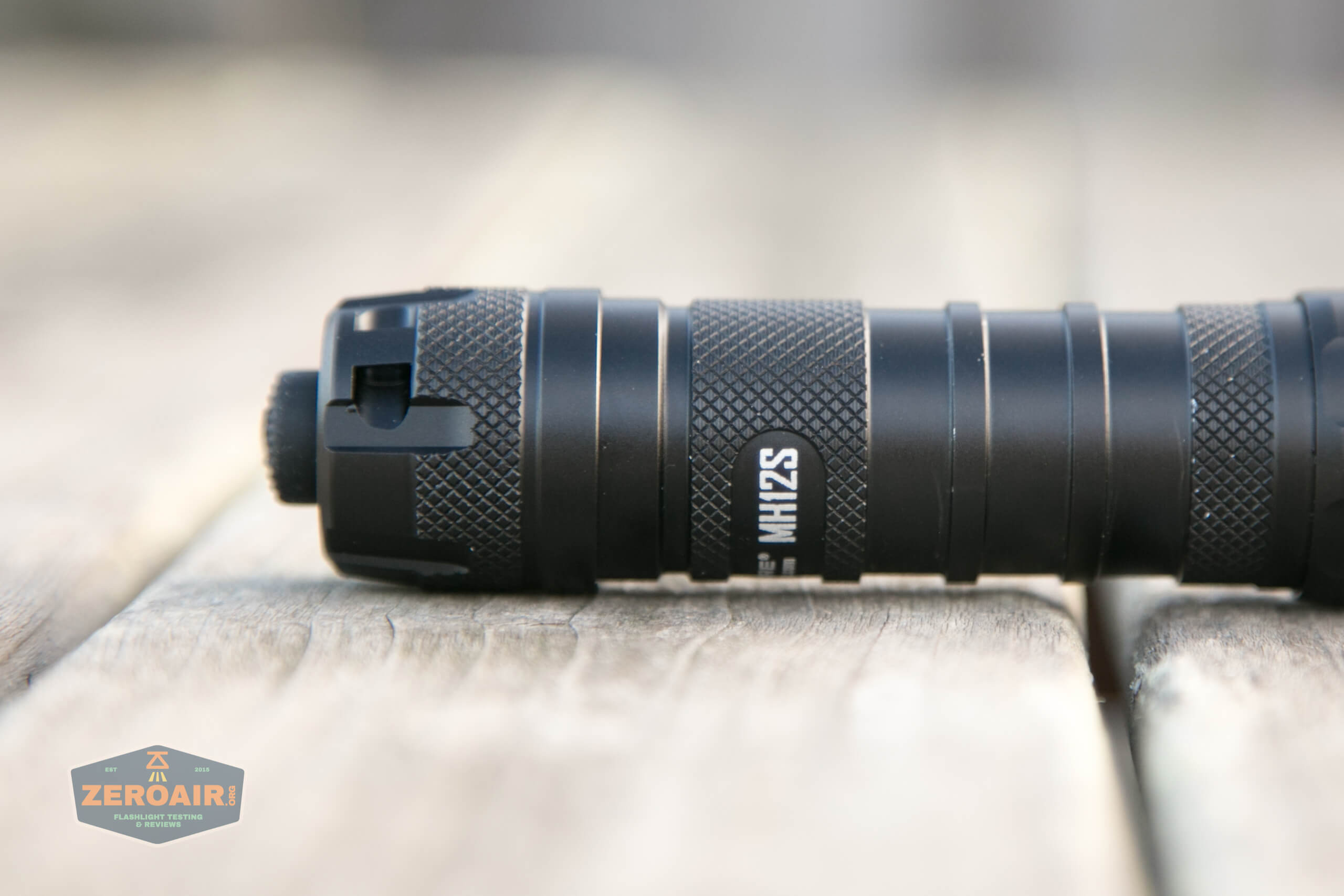 nitecore mh12s tactical flashlight knurling
