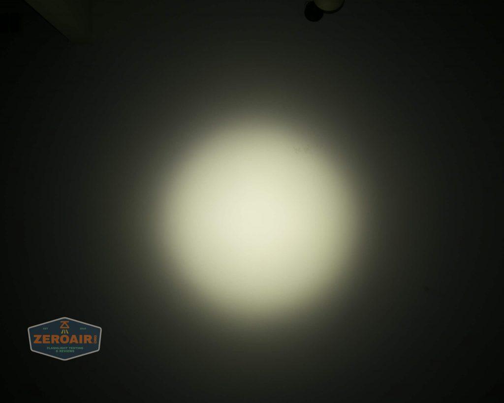 wurkkos hd20 21700 headlamp beamshot ceiling spot 4