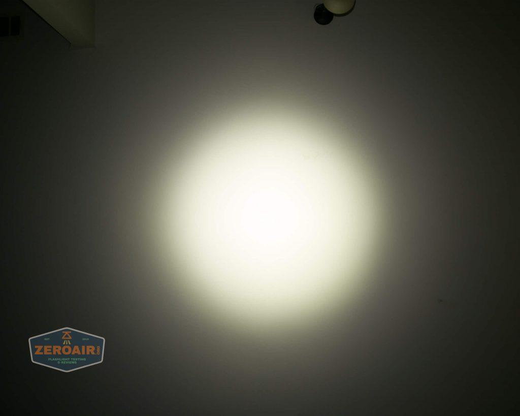 wurkkos hd20 21700 headlamp beamshot ceiling spot 5