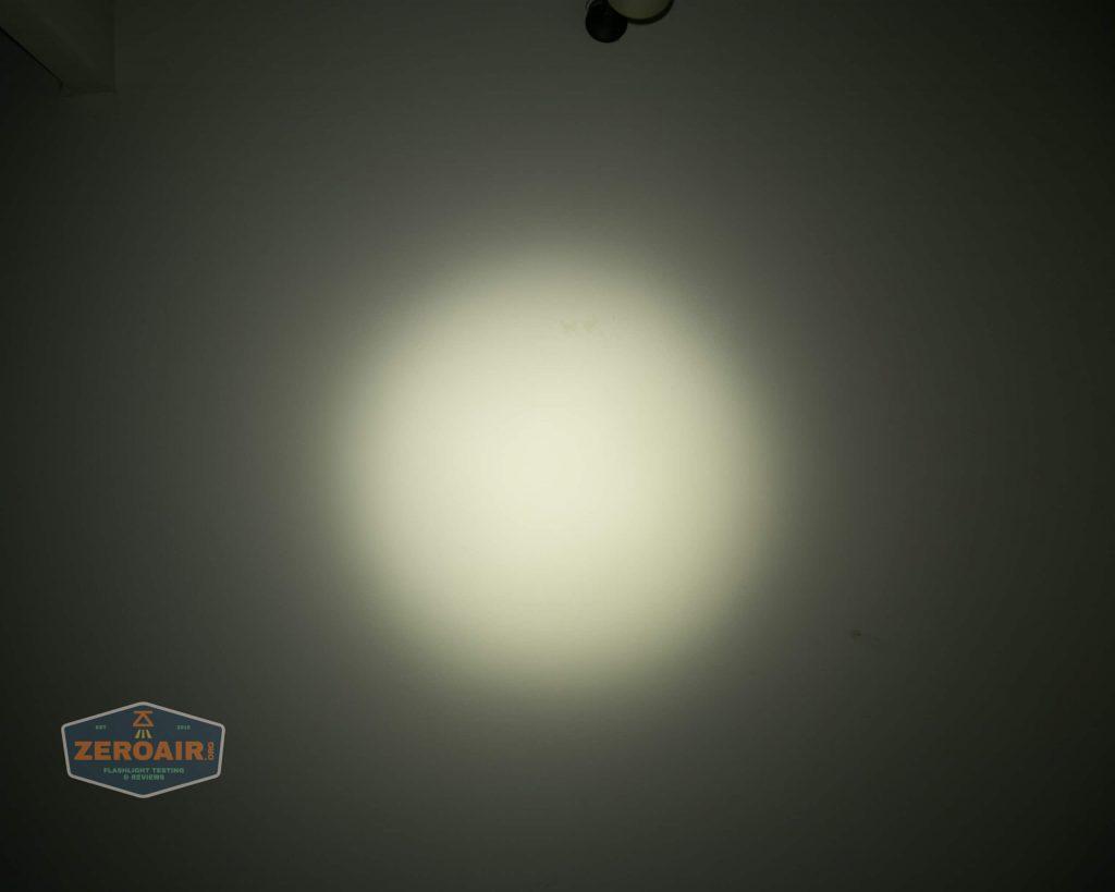 wurkkos hd20 21700 headlamp beamshot ceiling both 4