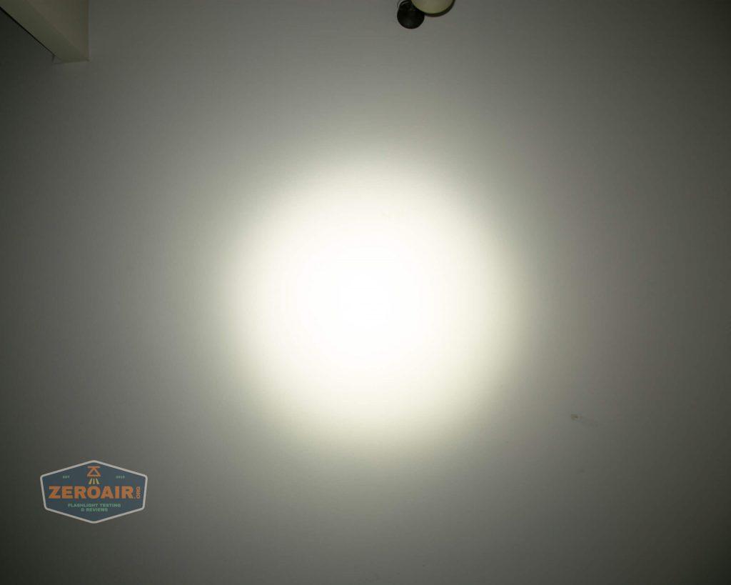 wurkkos hd20 21700 headlamp beamshot ceiling both 5
