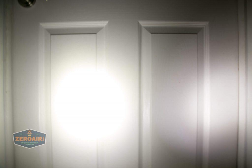 wurkkos hd20 21700 headlamp beamshot door spot 4