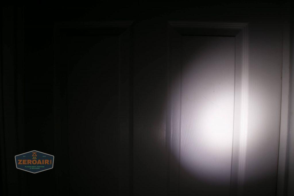 wurkkos hd20 21700 headlamp beamshot door flood 1