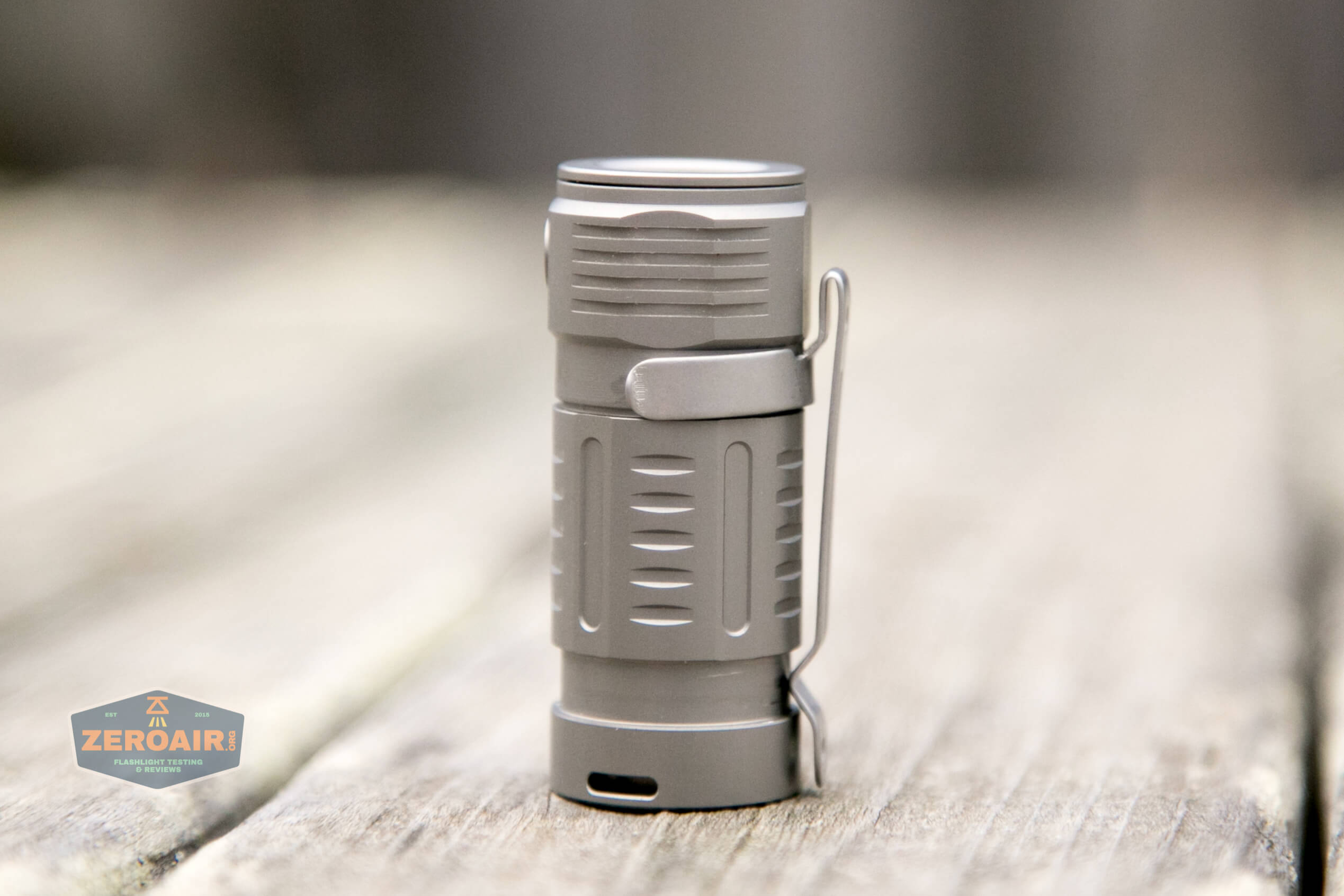 freasygears cyansky m3 titanium pocket flashlight clip