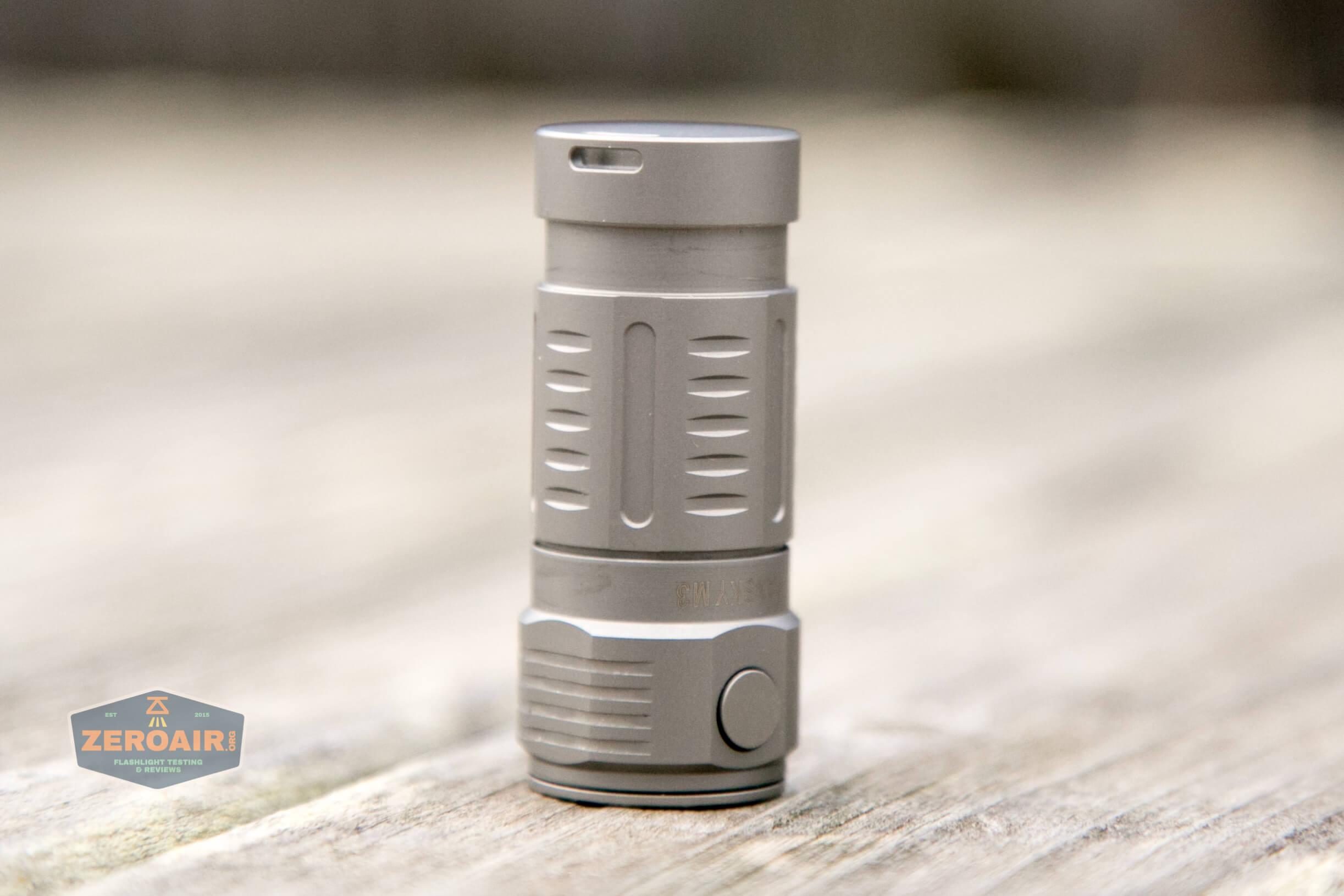 freasygears cyansky m3 titanium pocket flashlight clip scratches