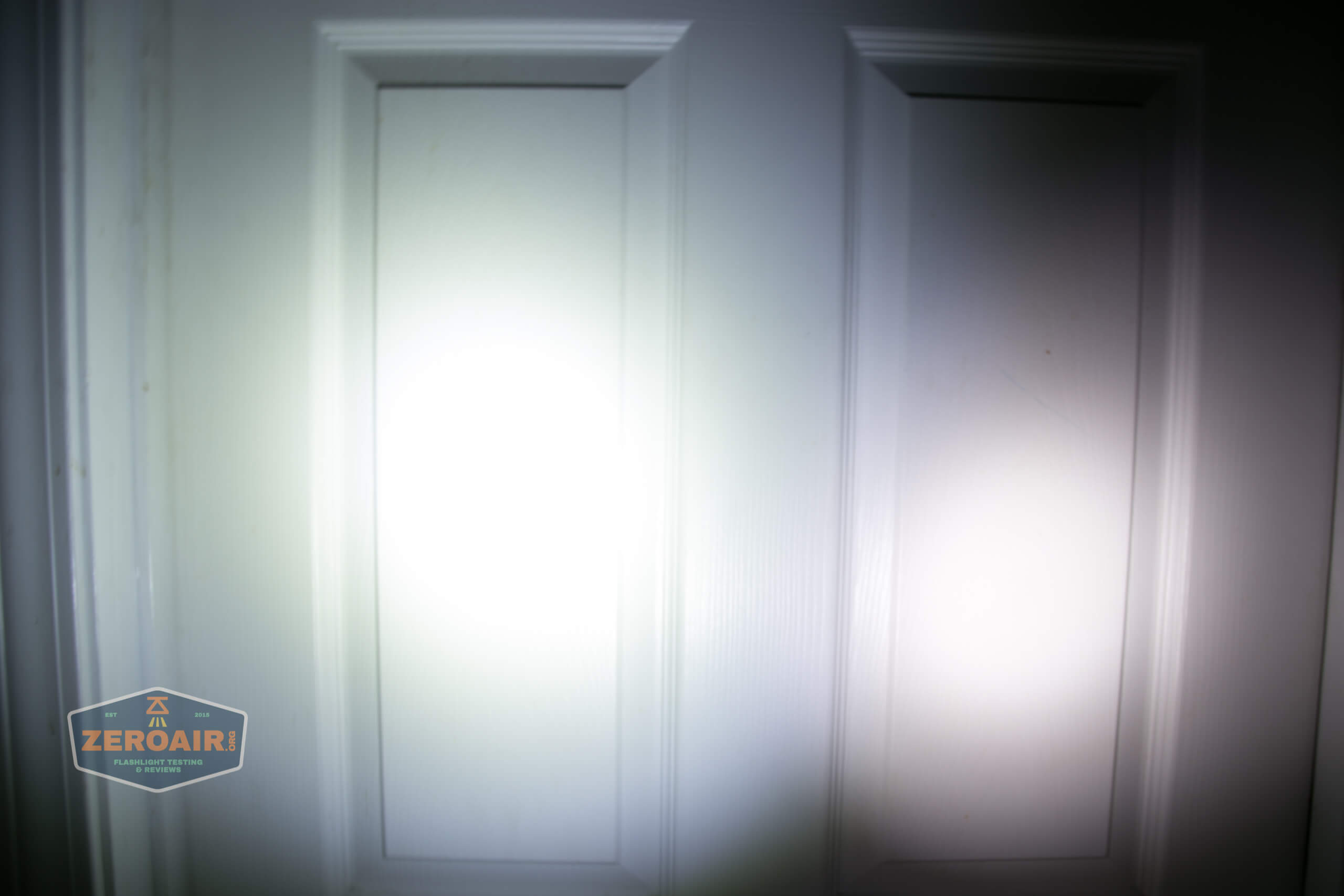 freasygears cyansky m3 titanium pocket flashlight beamshot door 3