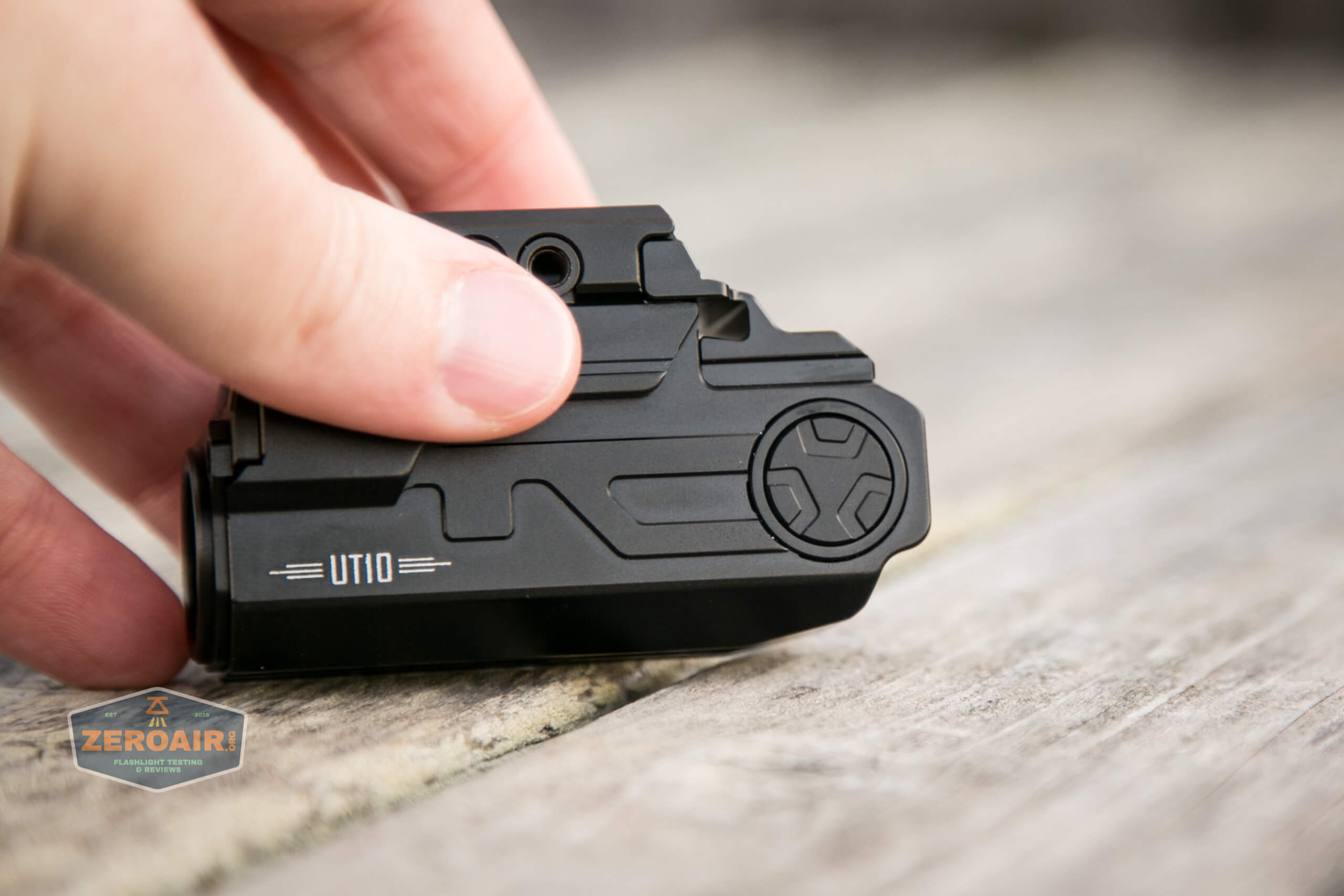 imalent ut10 tactical weapon flashlight switch