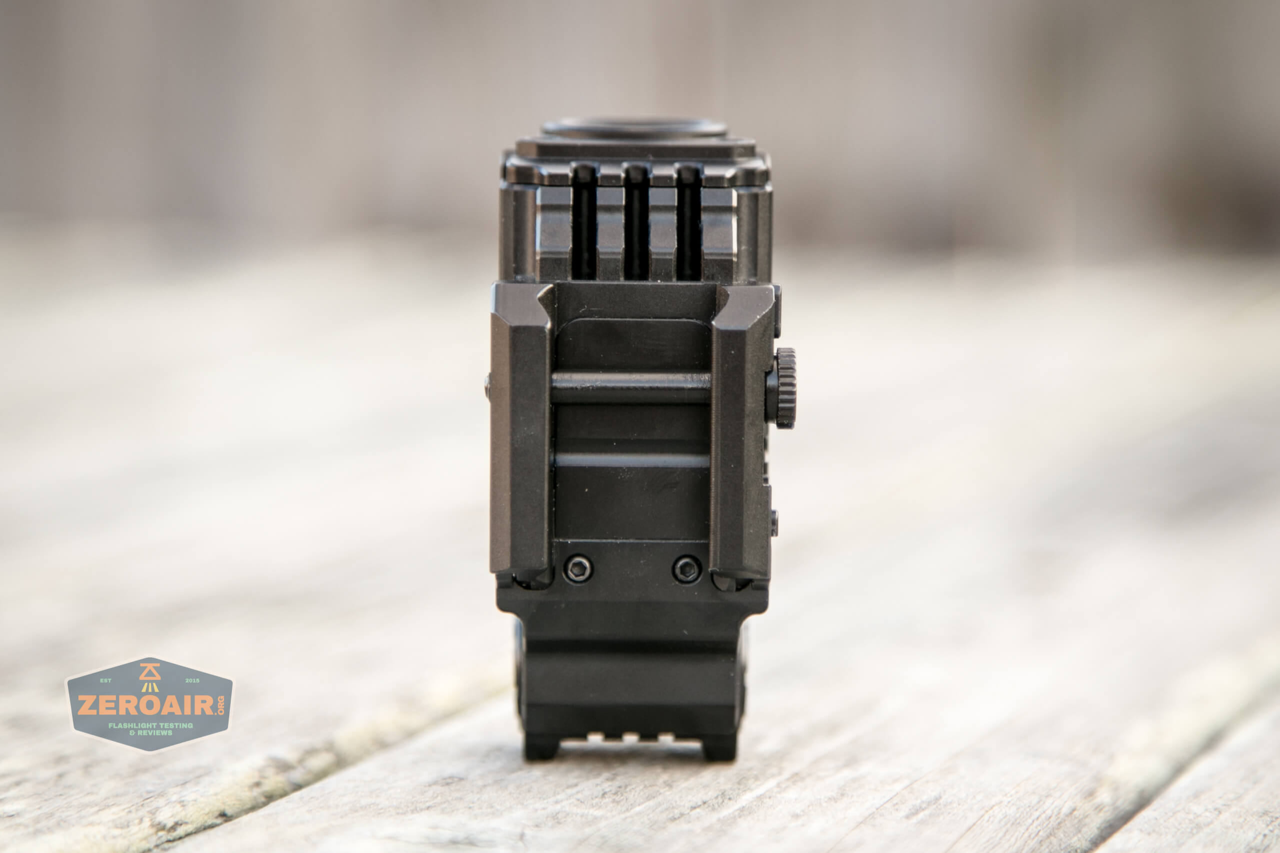 imalent ut10 tactical weapon flashlight picatinny connector