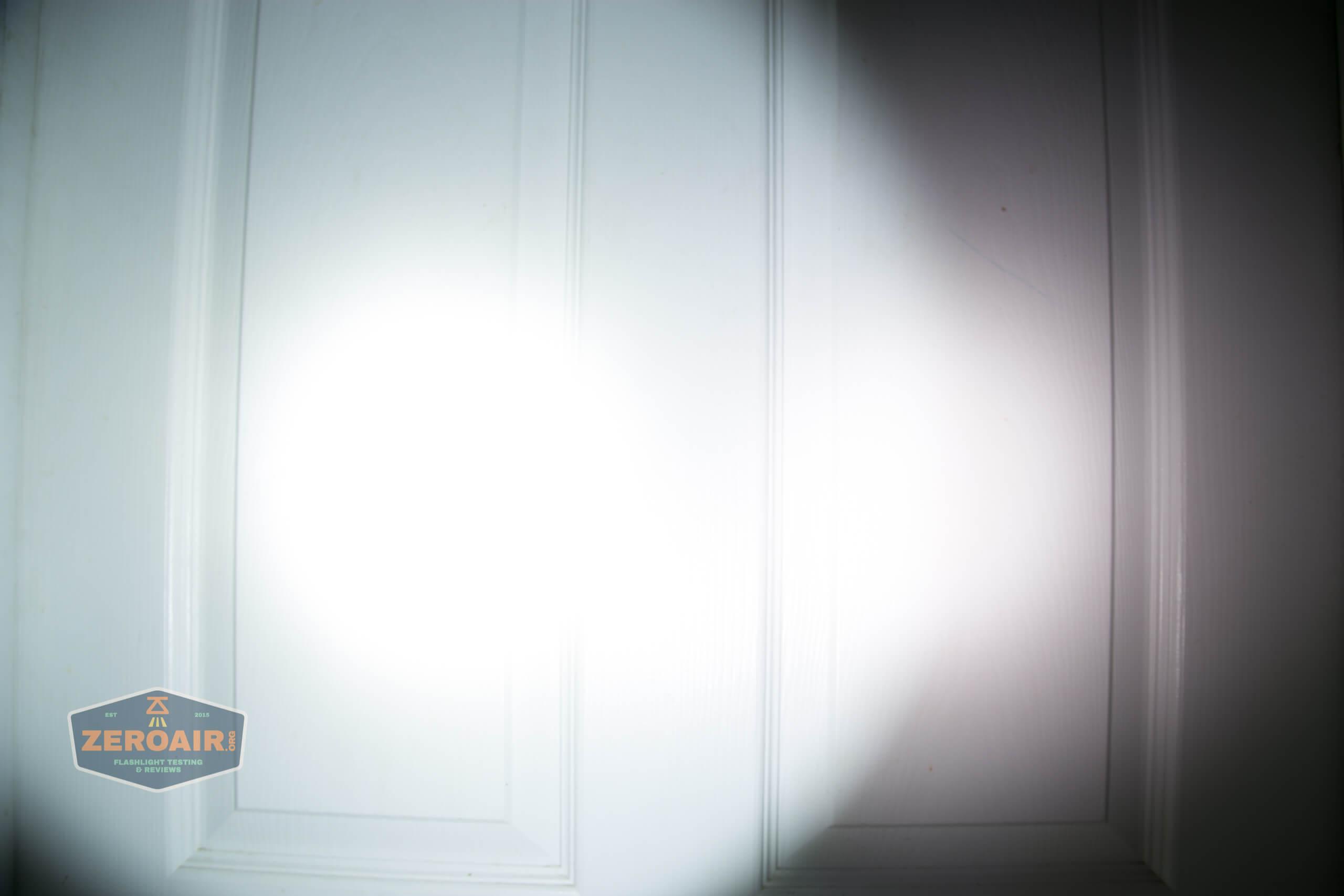 imalent ut10 tactical weapon flashlight beamshot door low
