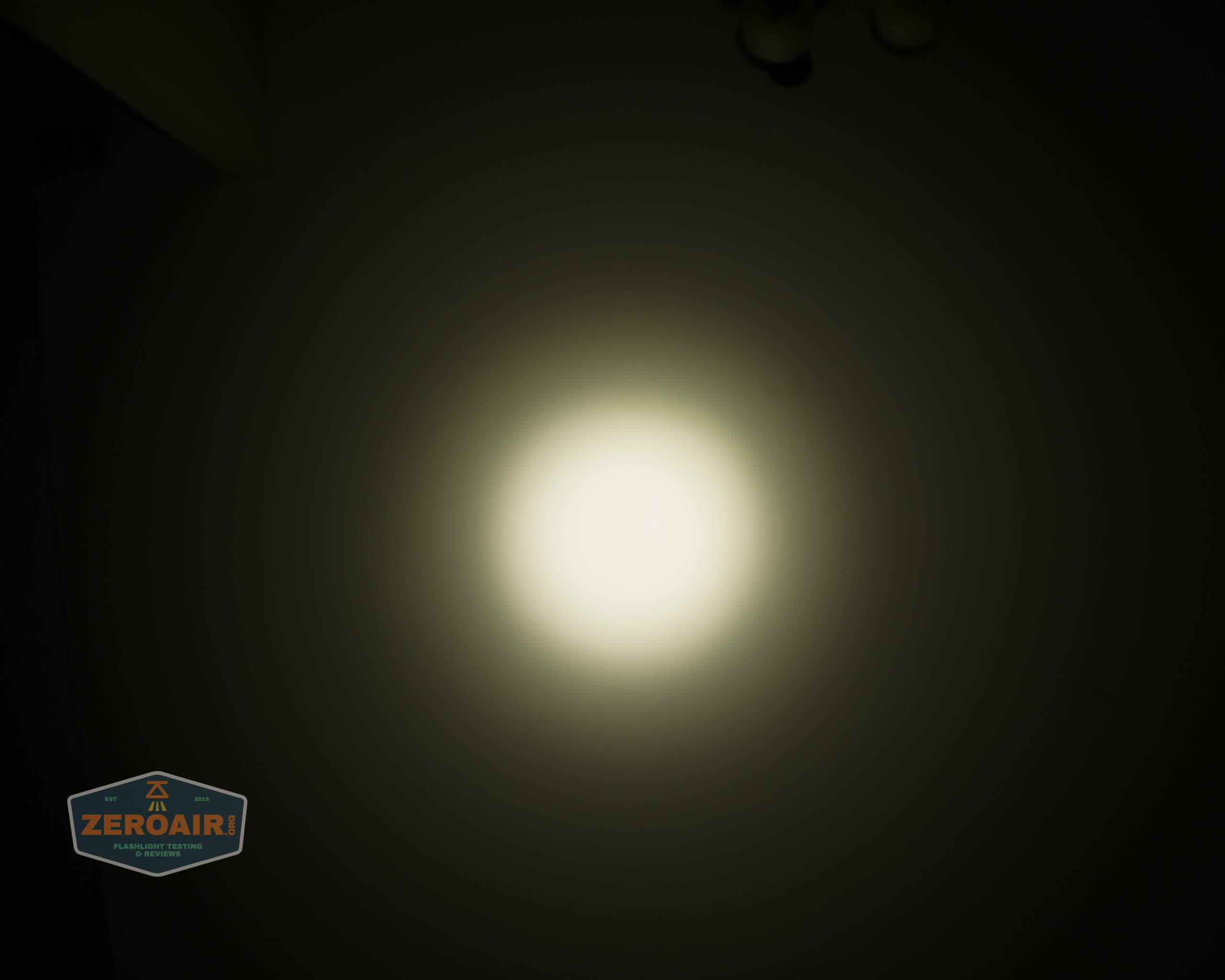 Olight m2r pro warrior beamshot ceiling 4