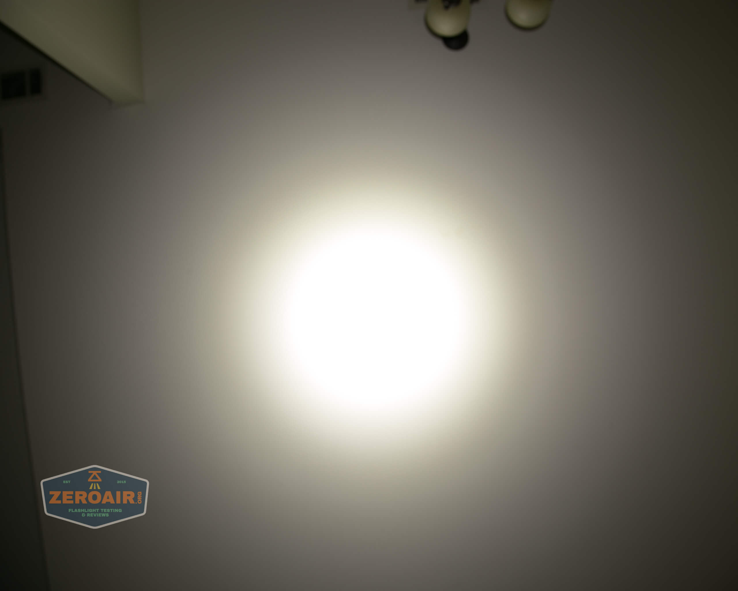 Olight m2r pro warrior beamshot ceiling 6