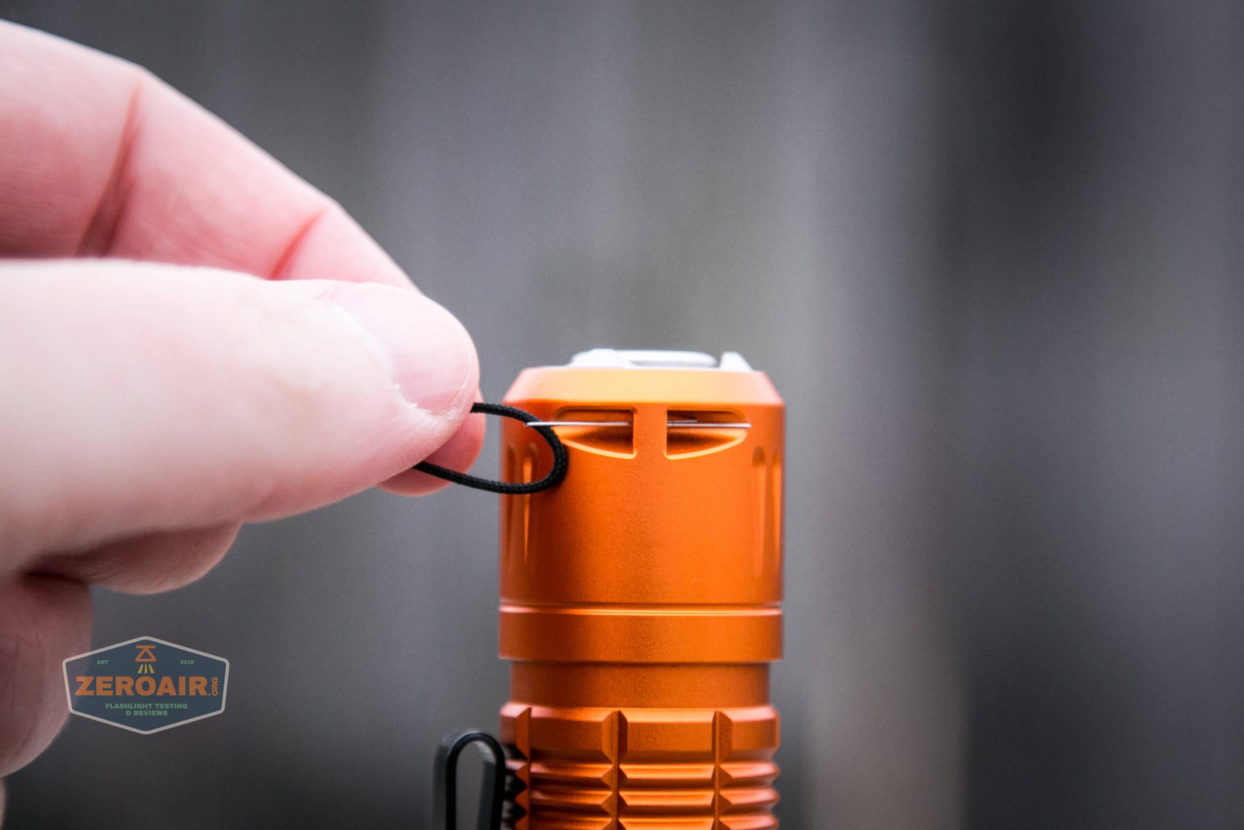 Olight M2R Pro Warrior Orange lanyard installing