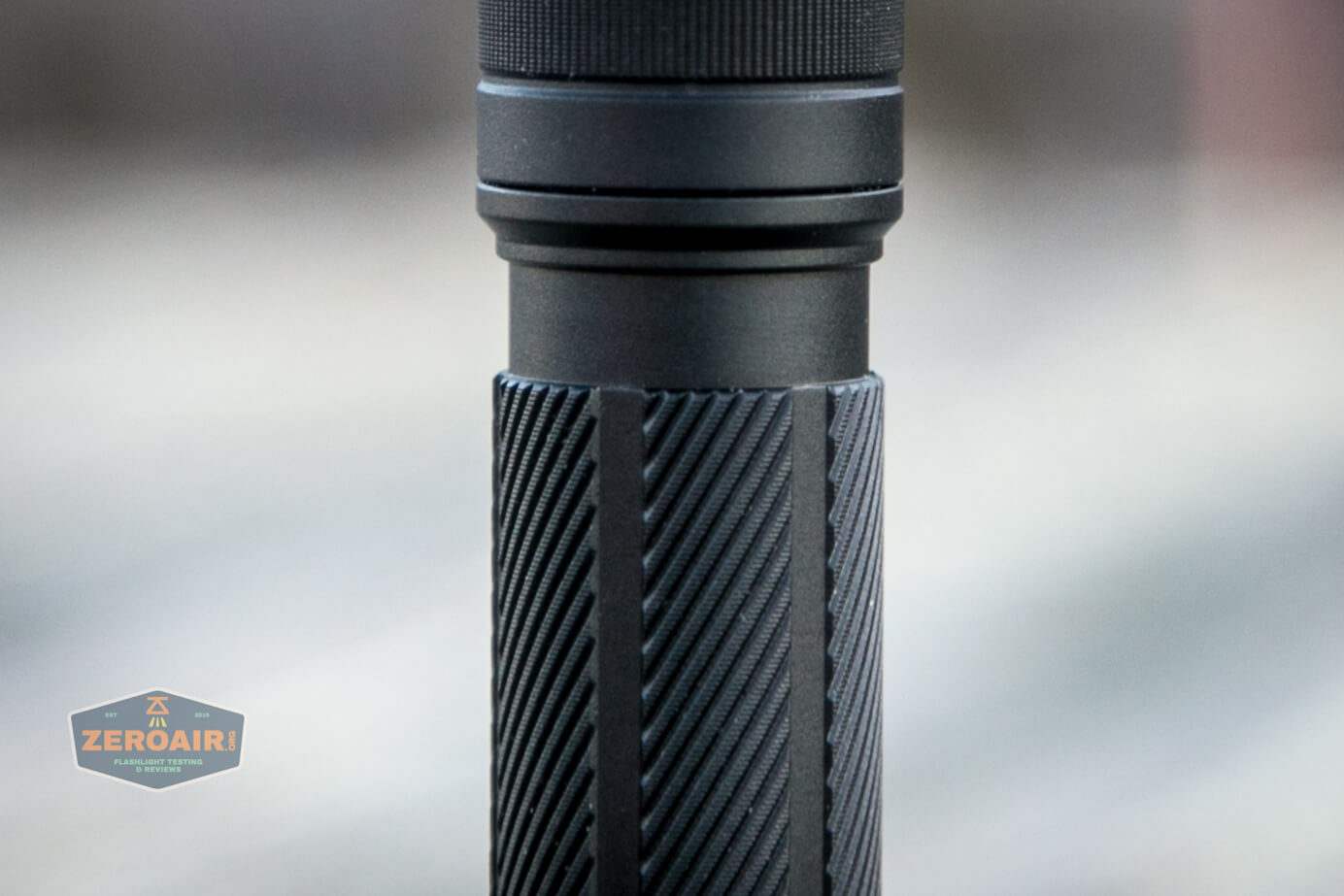 skilhunt e2a pocket clip groove and twist knurling