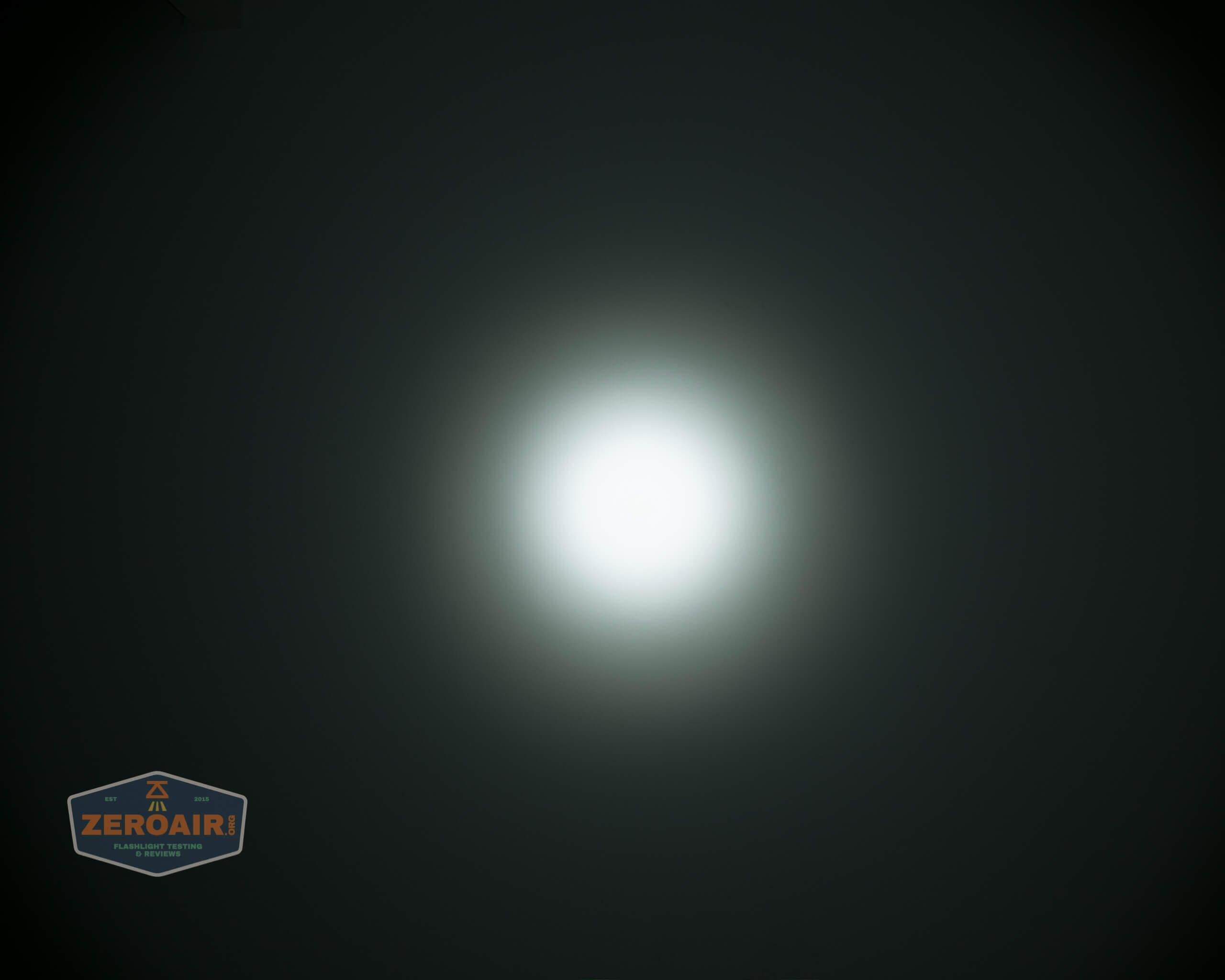 skilhunt m300 18650 flashlight beamshot ceiling 5