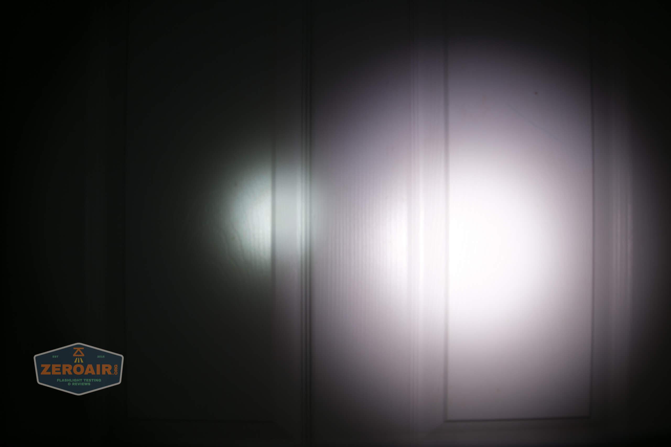 skilhunt m300 18650 flashlight beamshot door 2
