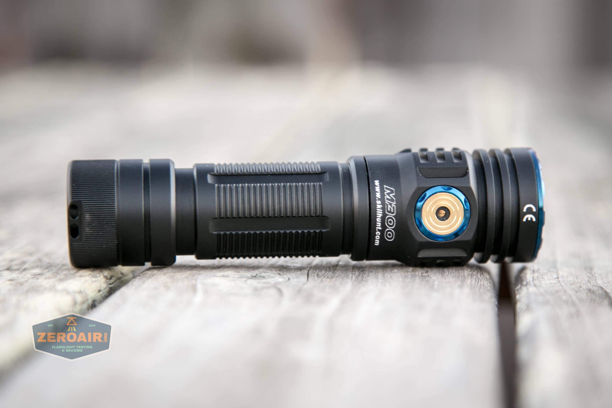 skilhunt m300 18650 flashlight feature photo