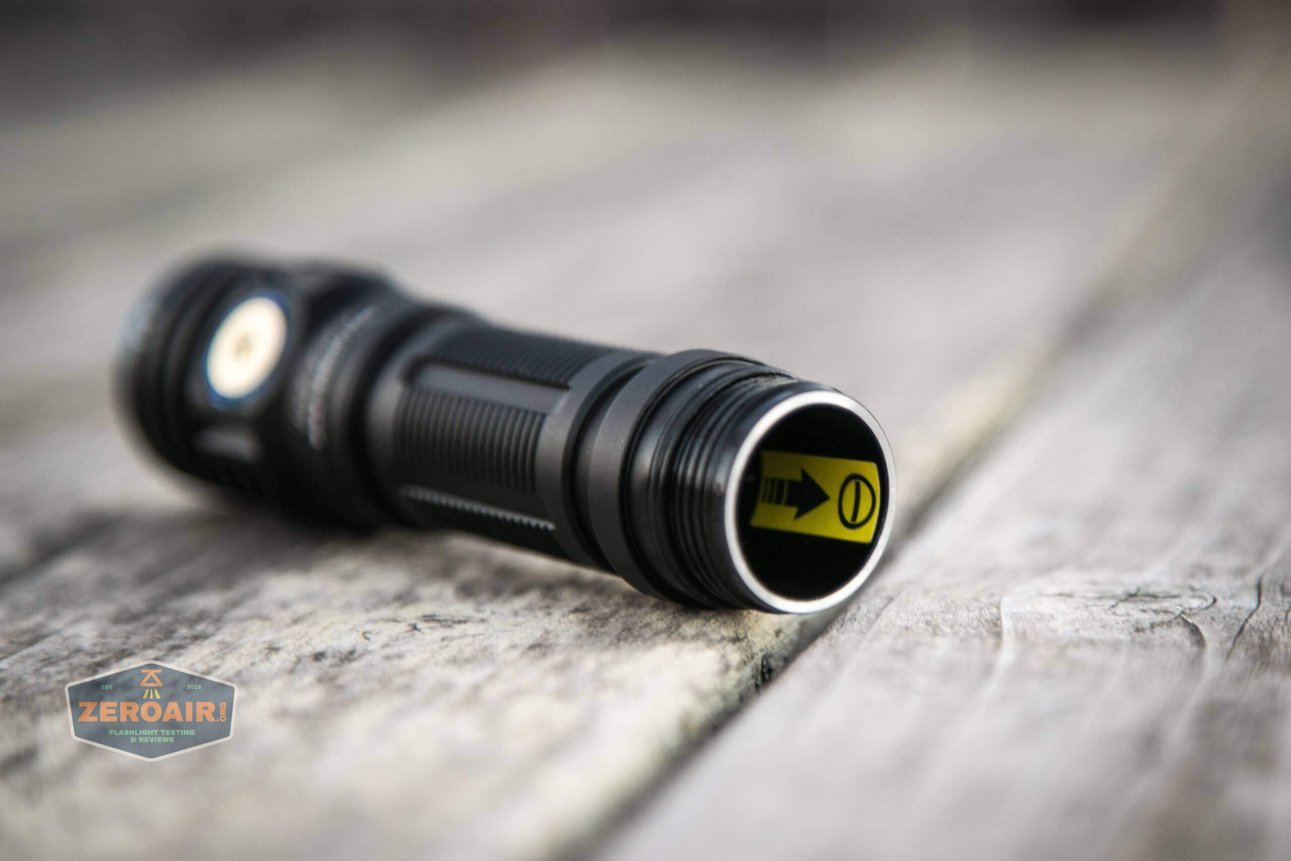 skilhunt m300 18650 flashlight sticker in cell tube