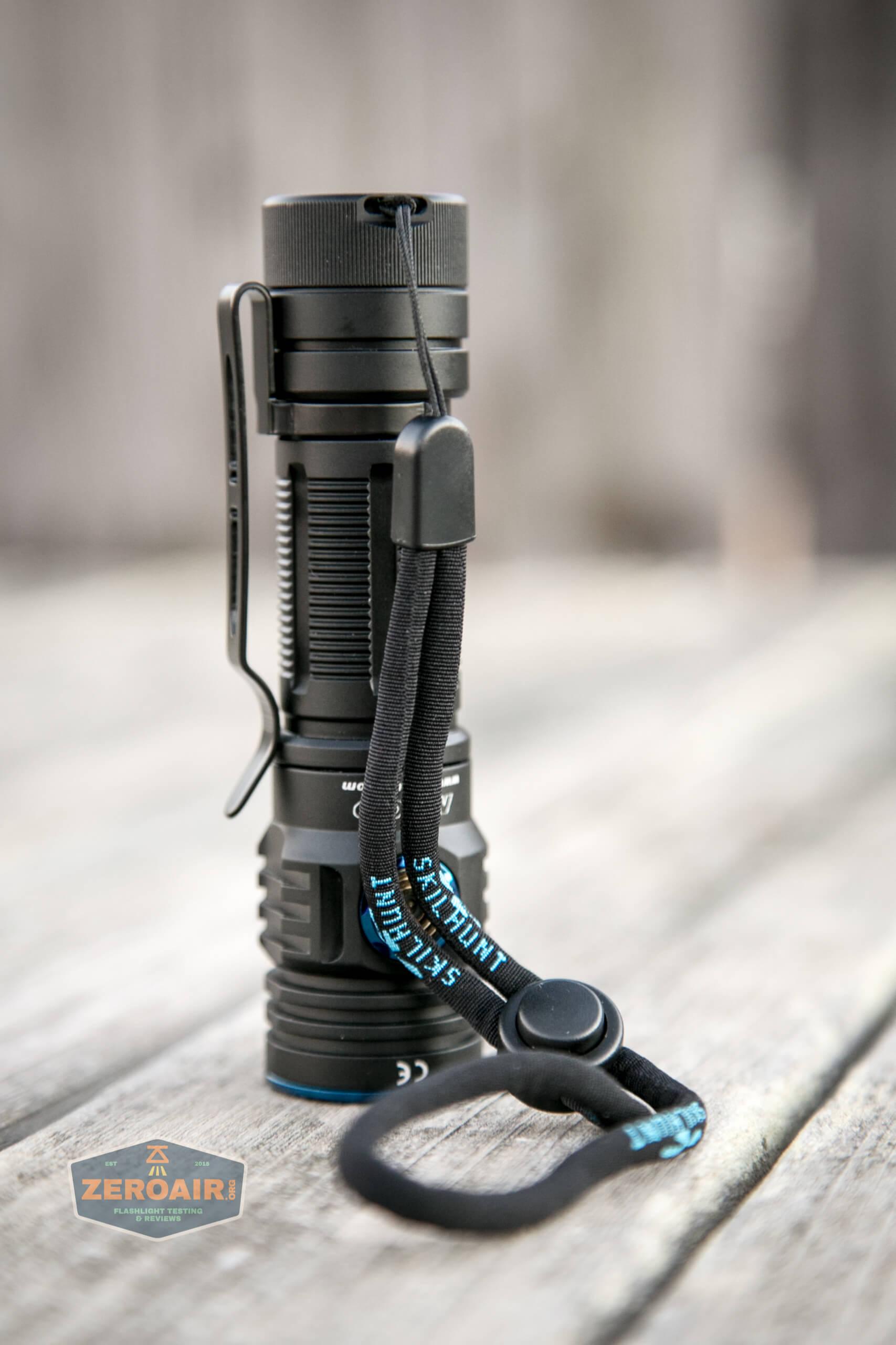 skilhunt m300 18650 flashlight lanyard installed