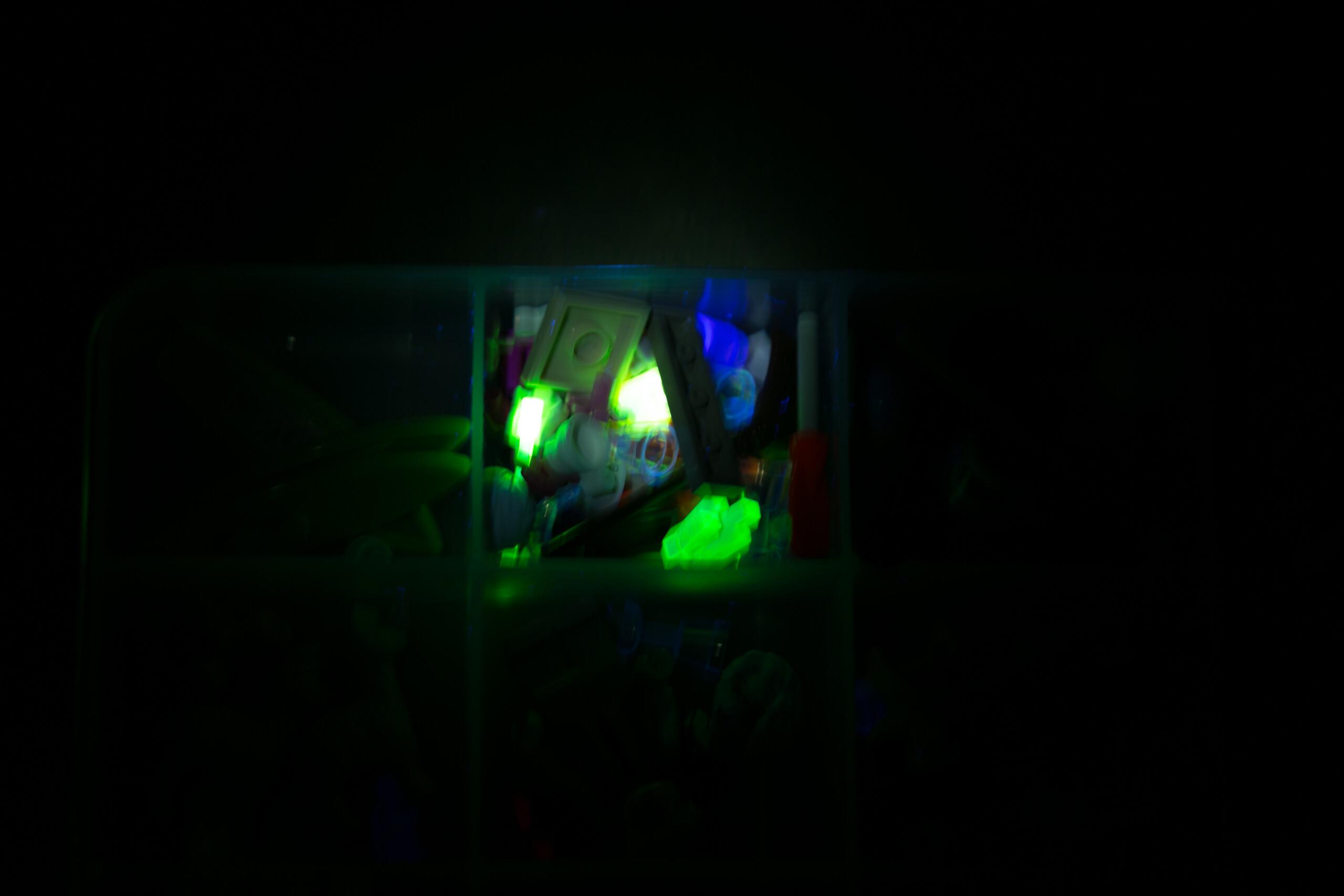 sofirn sp31uv ultraviolet 18650 flashlight random beamshots