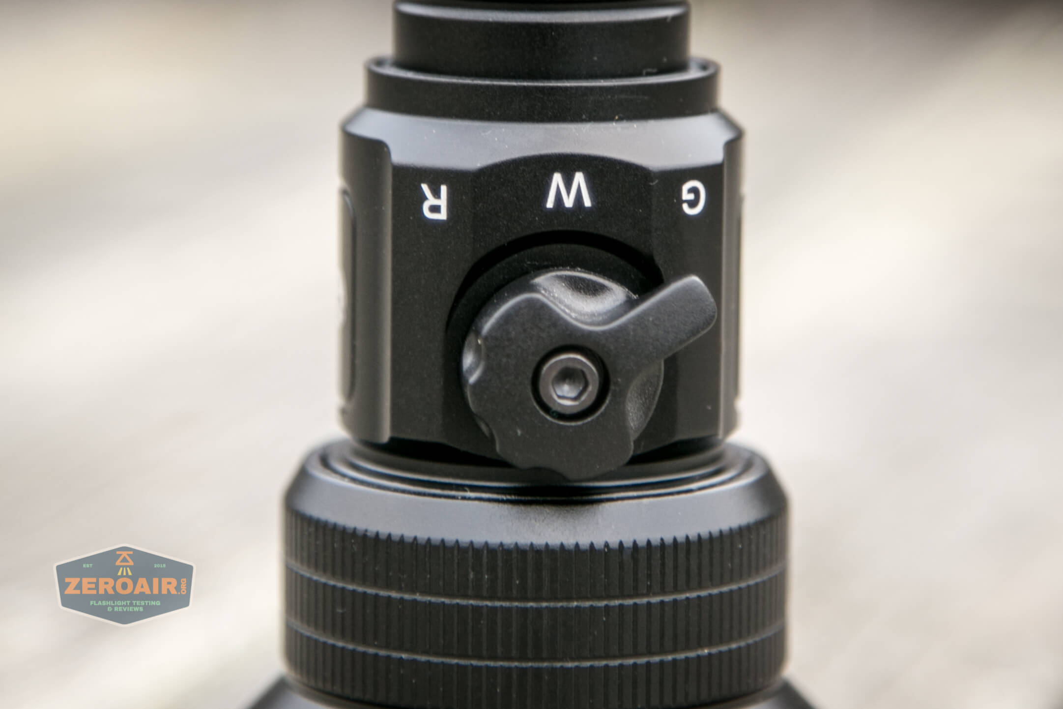 Brinyte T28 Artemis Zoomy emitter selector