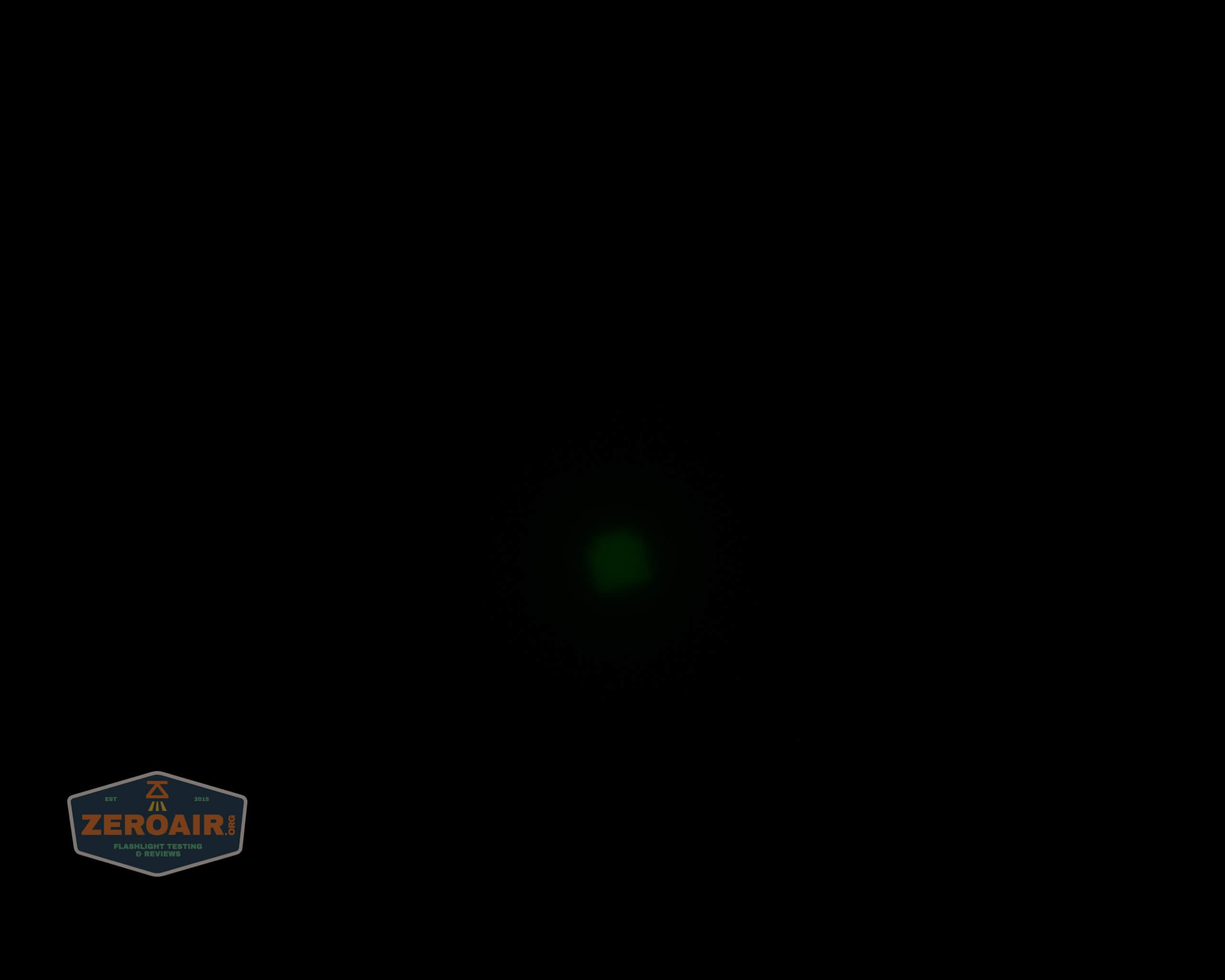 Brinyte T28 Artemis Zoomy beamshot ceiling green 4