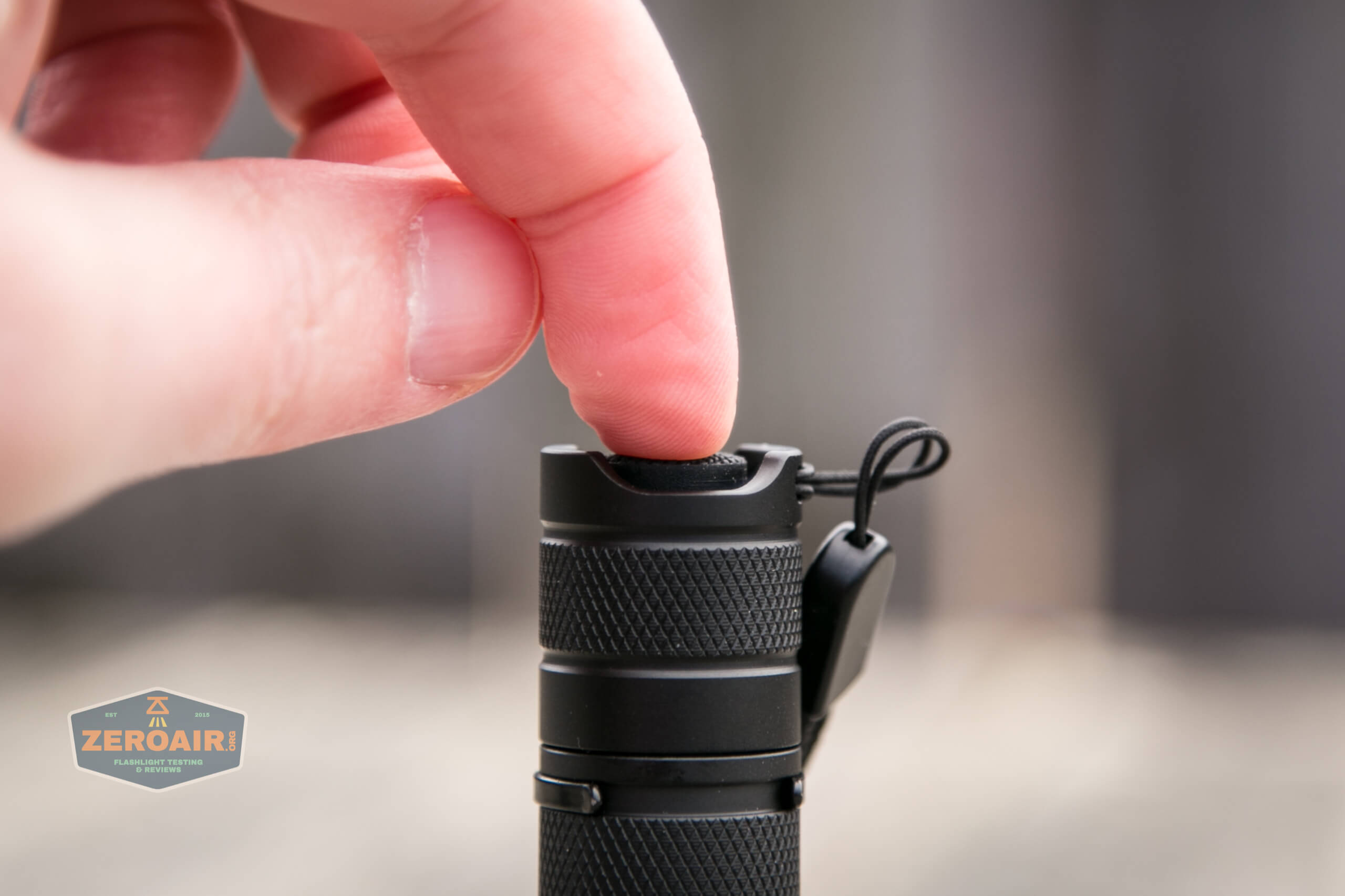 convoy t2 updated 14500/AA flashlight reverse clicky actuation