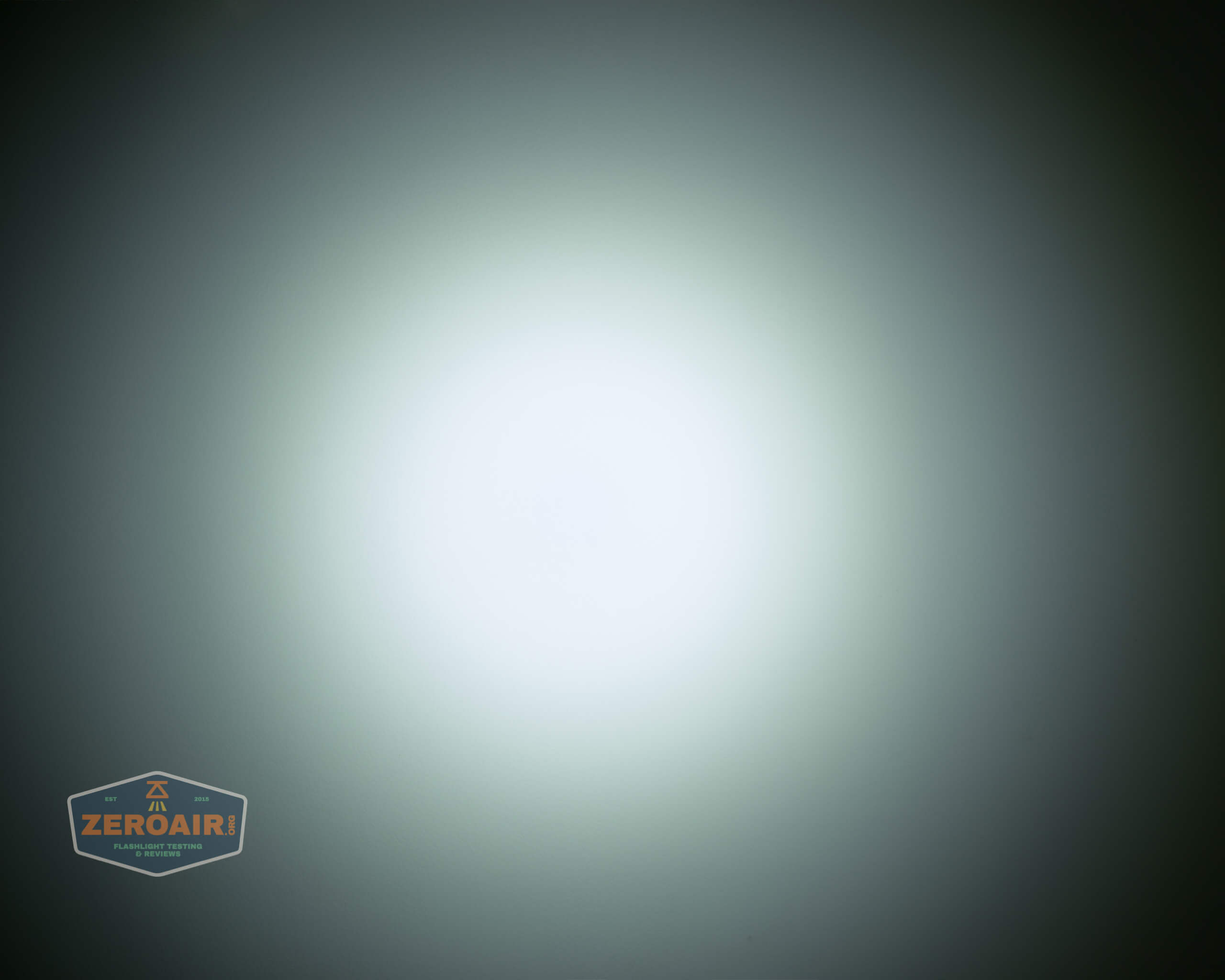 Cyansky P25 Flashlight beamshot ceiling 3