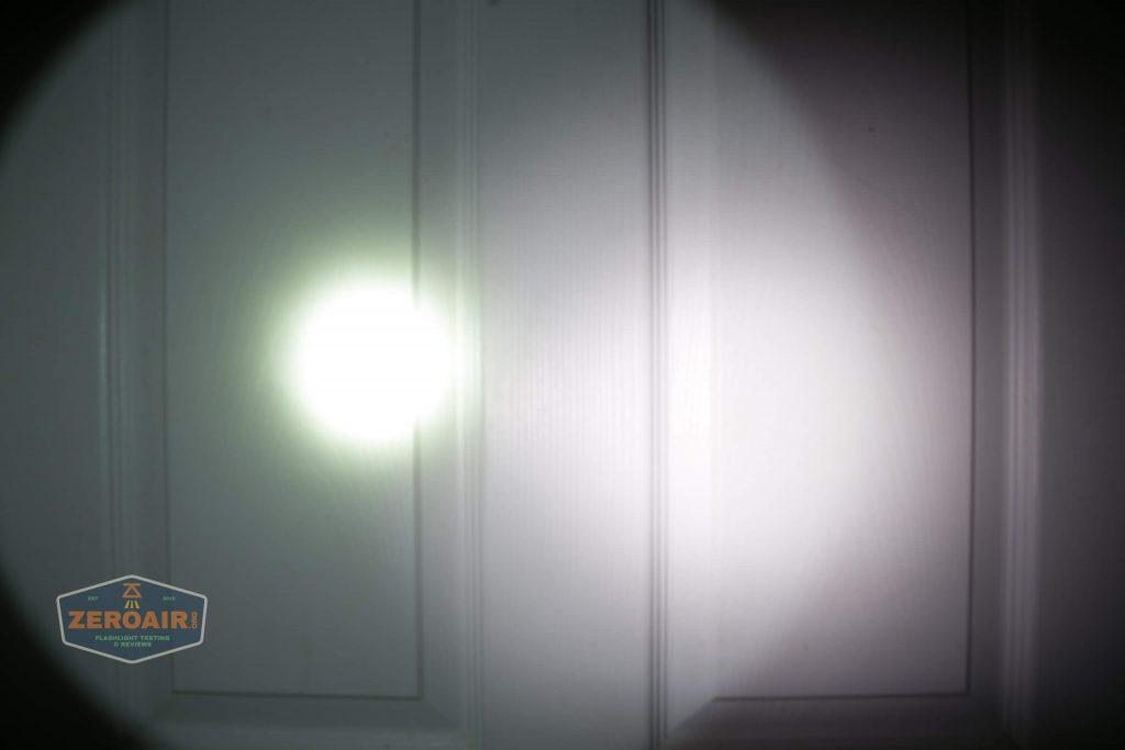 fenix lr40r beamshots door spot 1