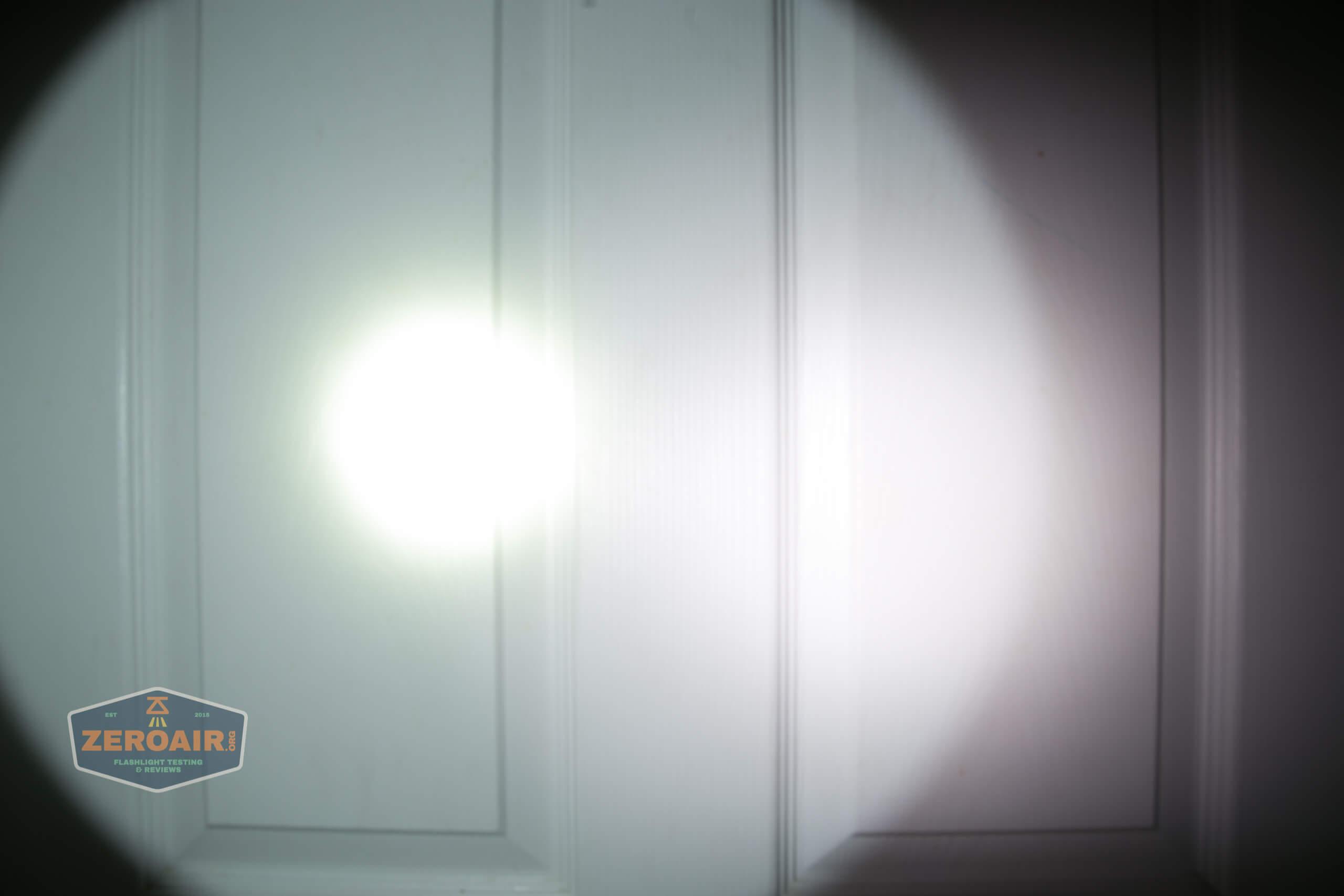 fenix lr40r beamshots door spot 2
