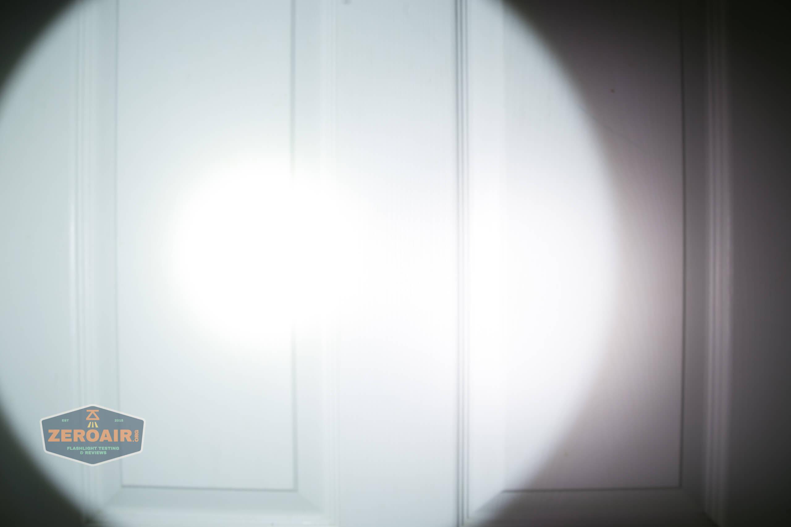 fenix lr40r beamshots door spot 3