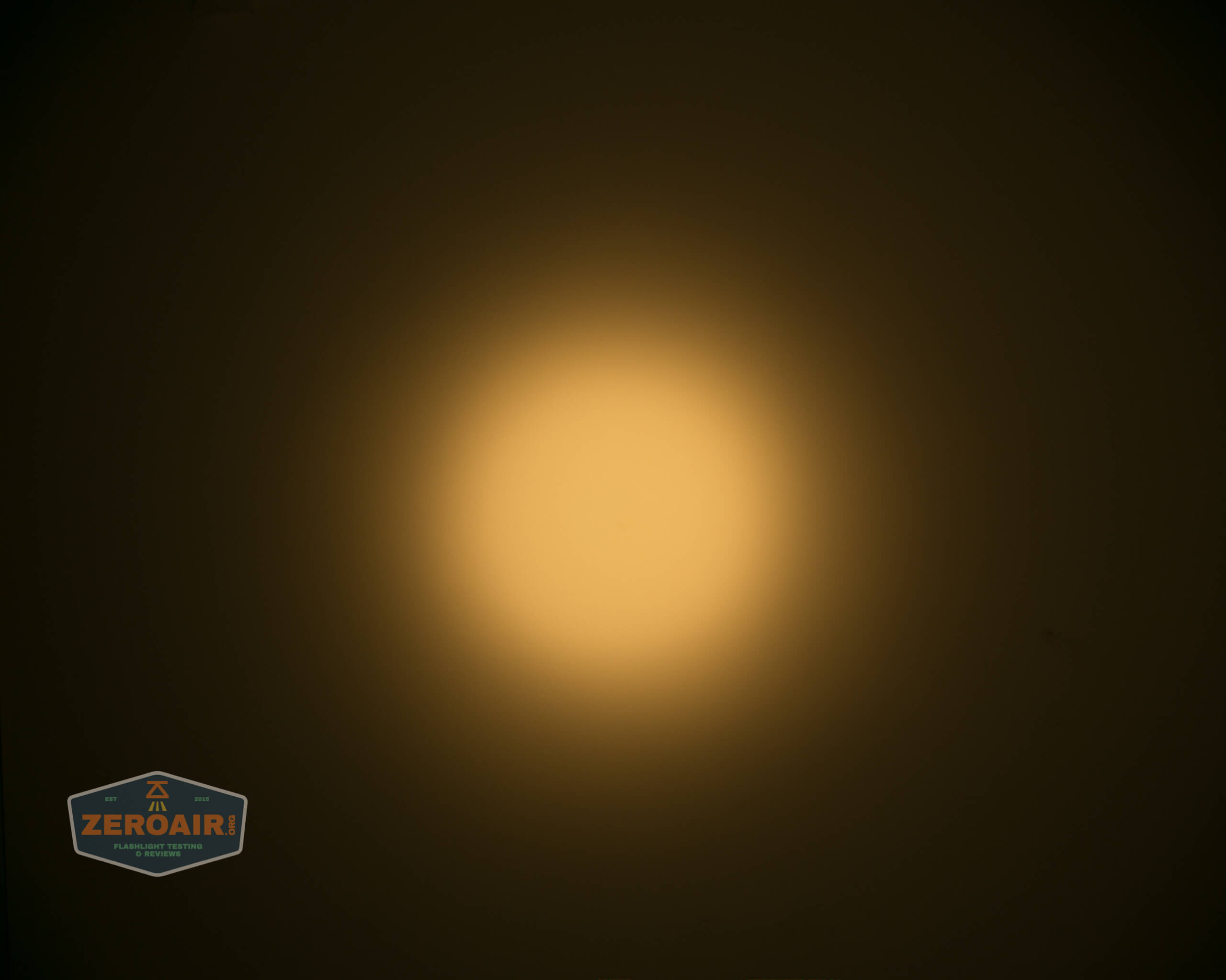 wurkkos fc11 flashlight beamshot ceiling 3