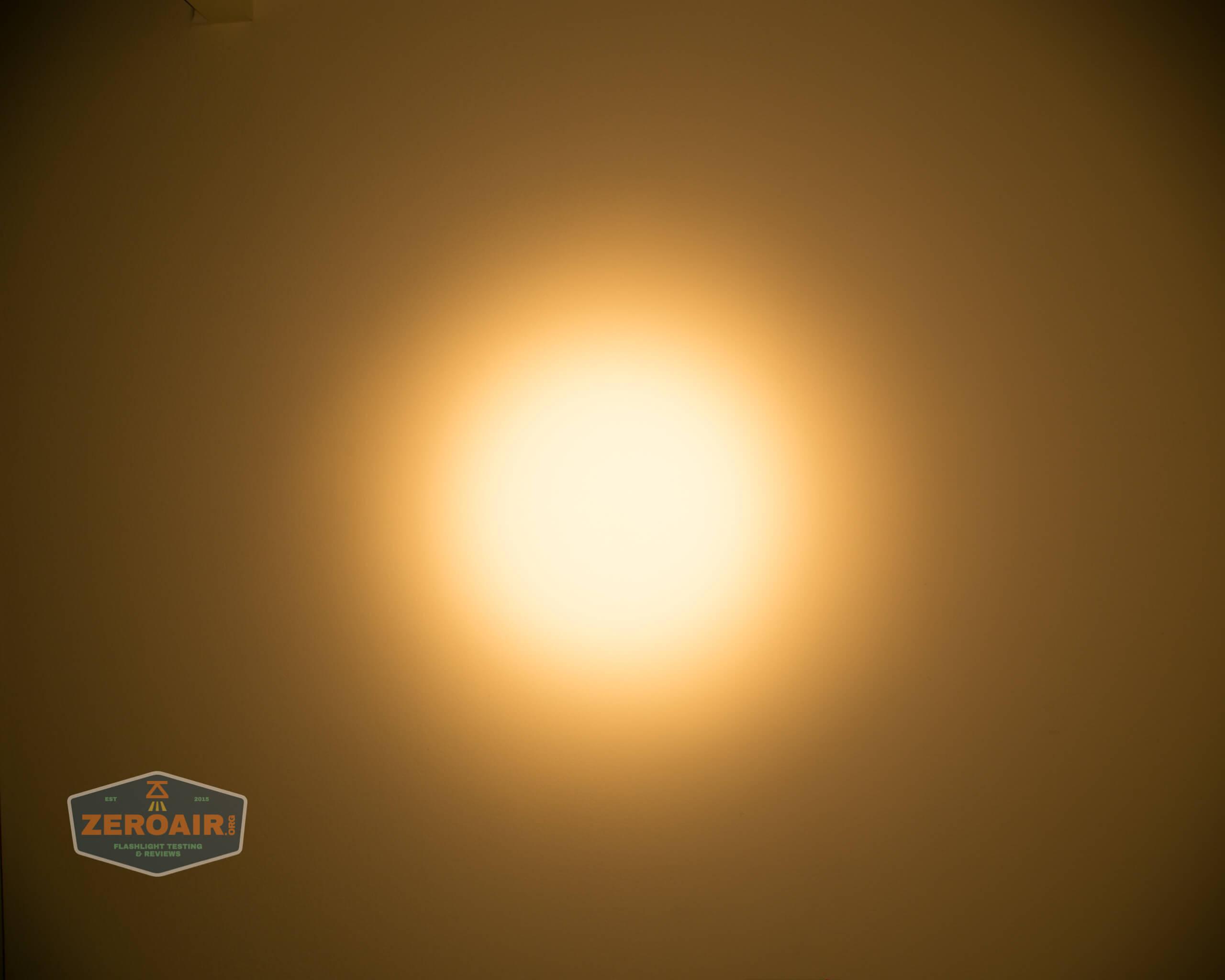 wurkkos fc11 flashlight beamshot ceiling 5