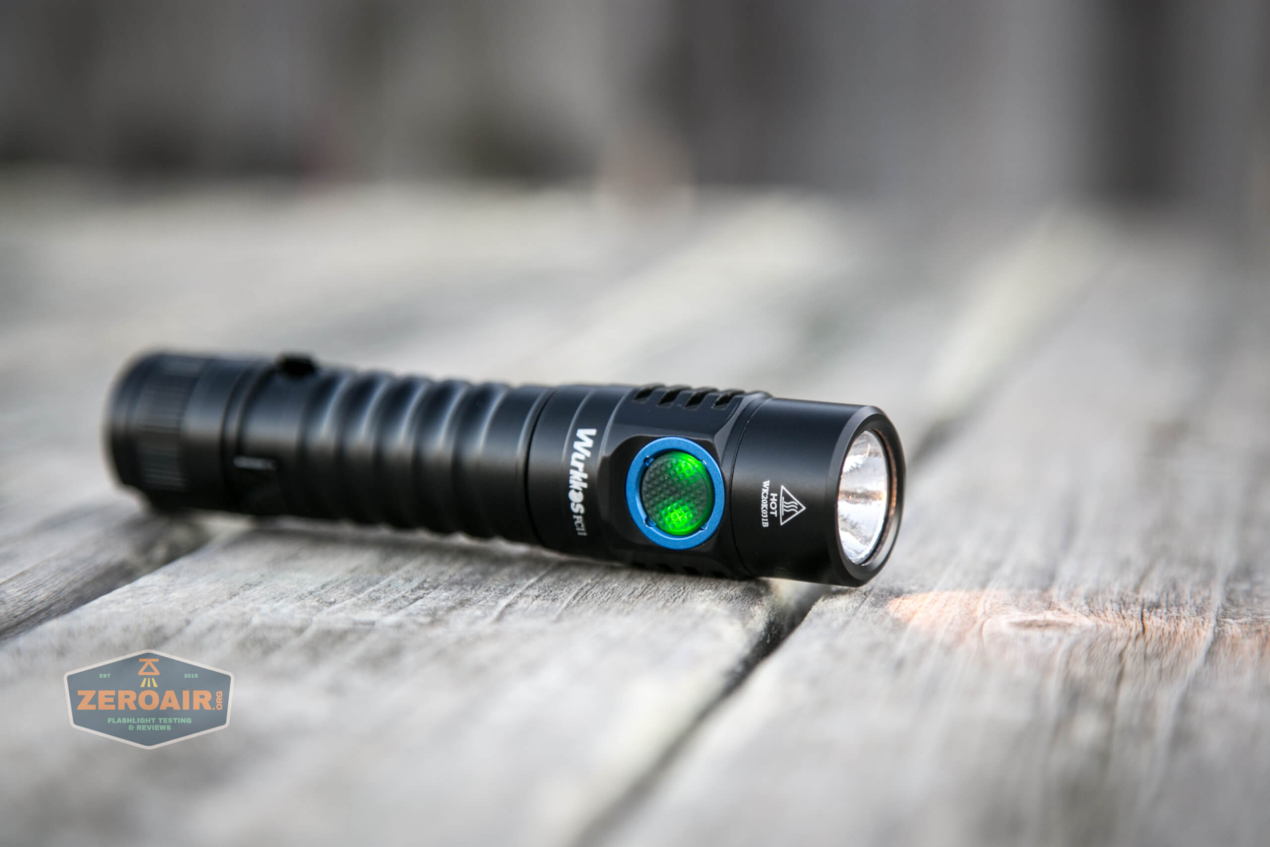 wurkkos fc11 flashlight switch indicating in green