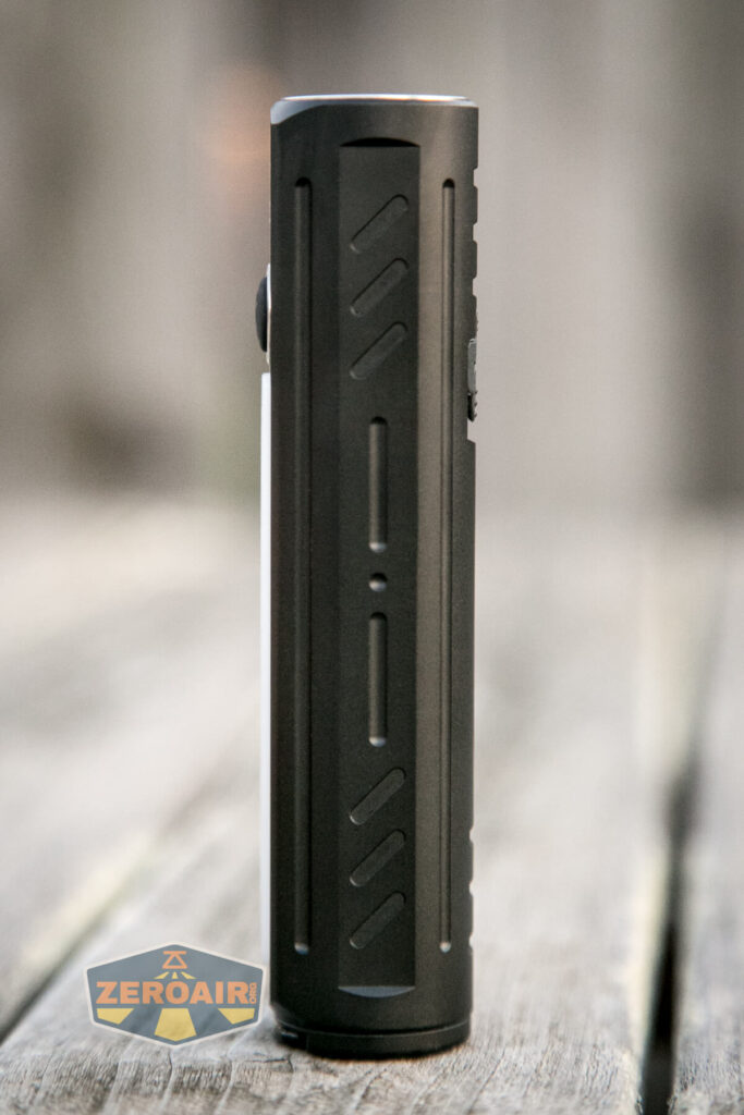Lumintop E21C Flashlight feature photo