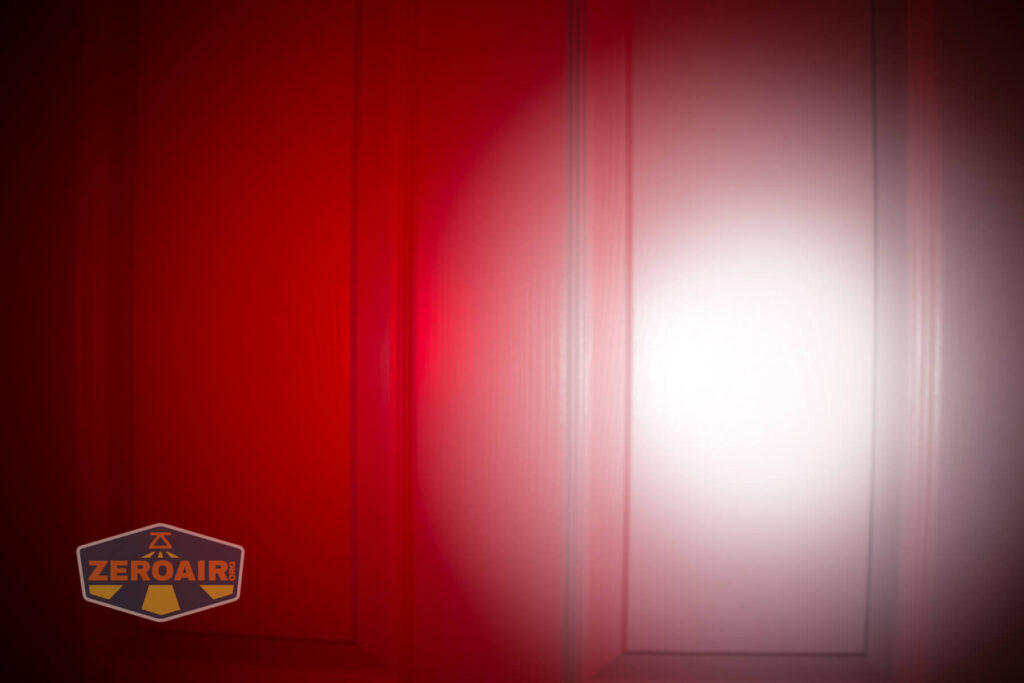 Cyans7ky HS6R headlamp beamshots door compared to nichia 219b